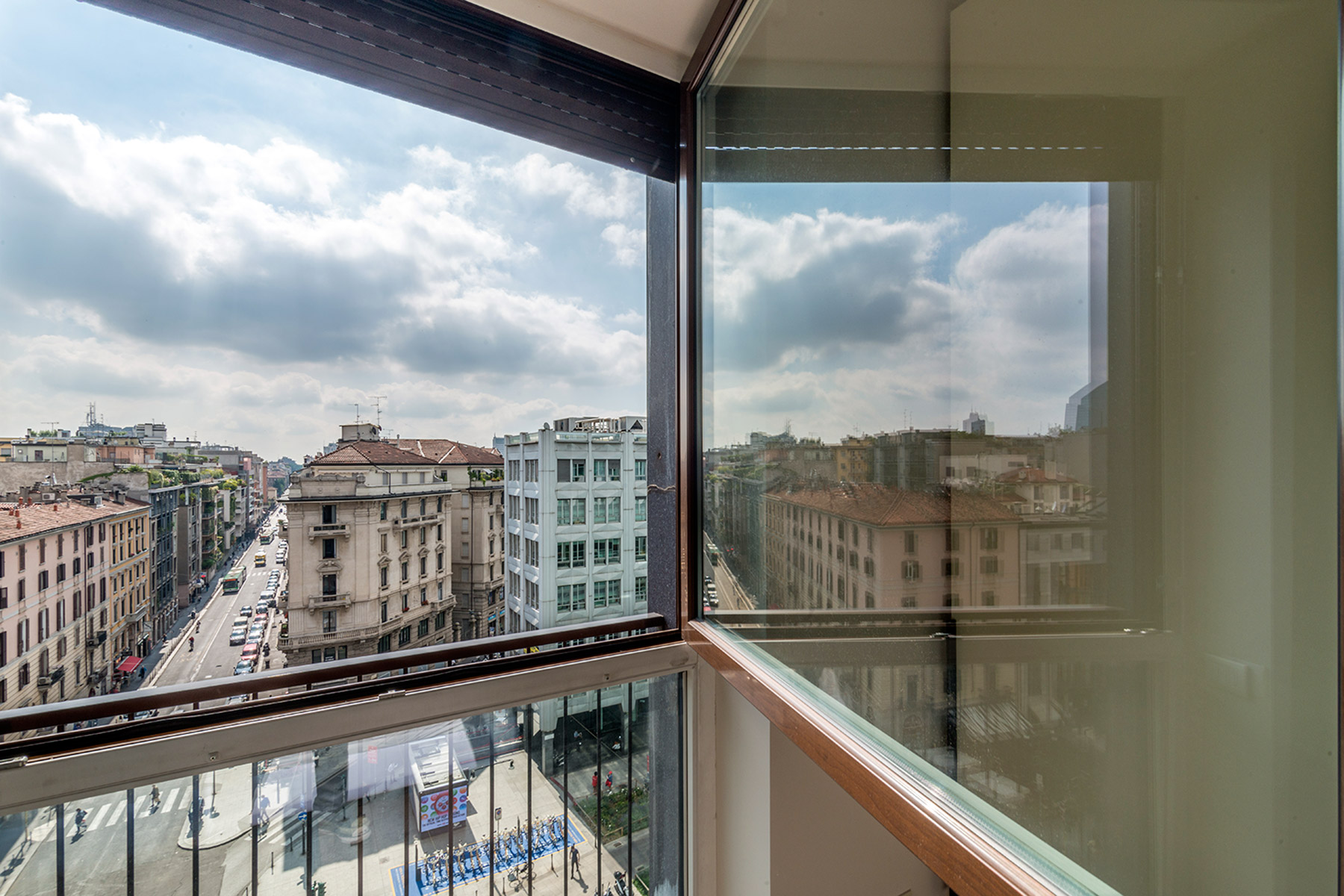 Additional photo for property listing at Panoramic apartment in a recently renovated building Via della moscova Milano, Milan 20121 Italie