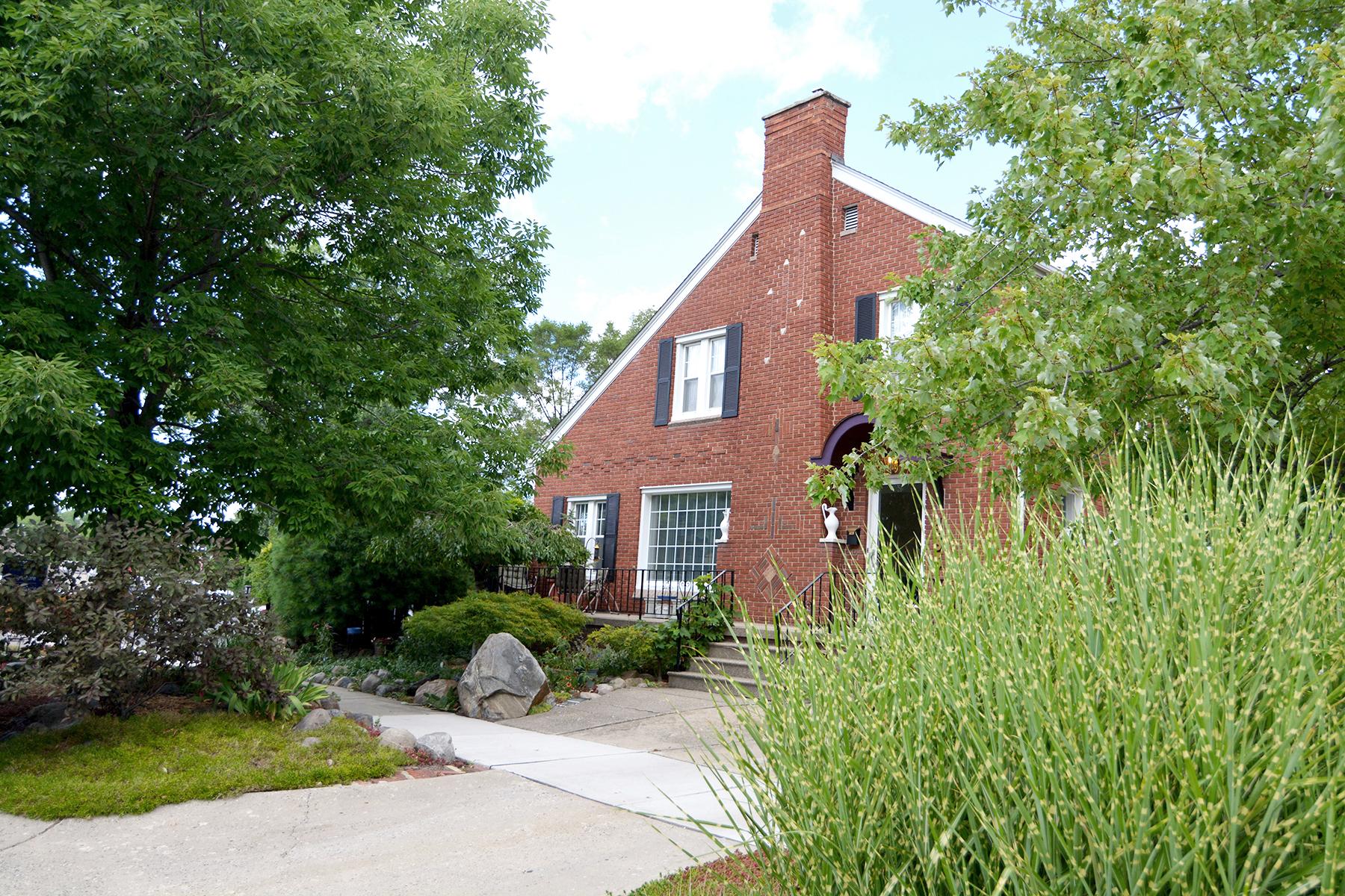 Single Family Home for Sale at Royal Oak 433 Cambridge Road Royal Oak, Michigan, 48067 United States