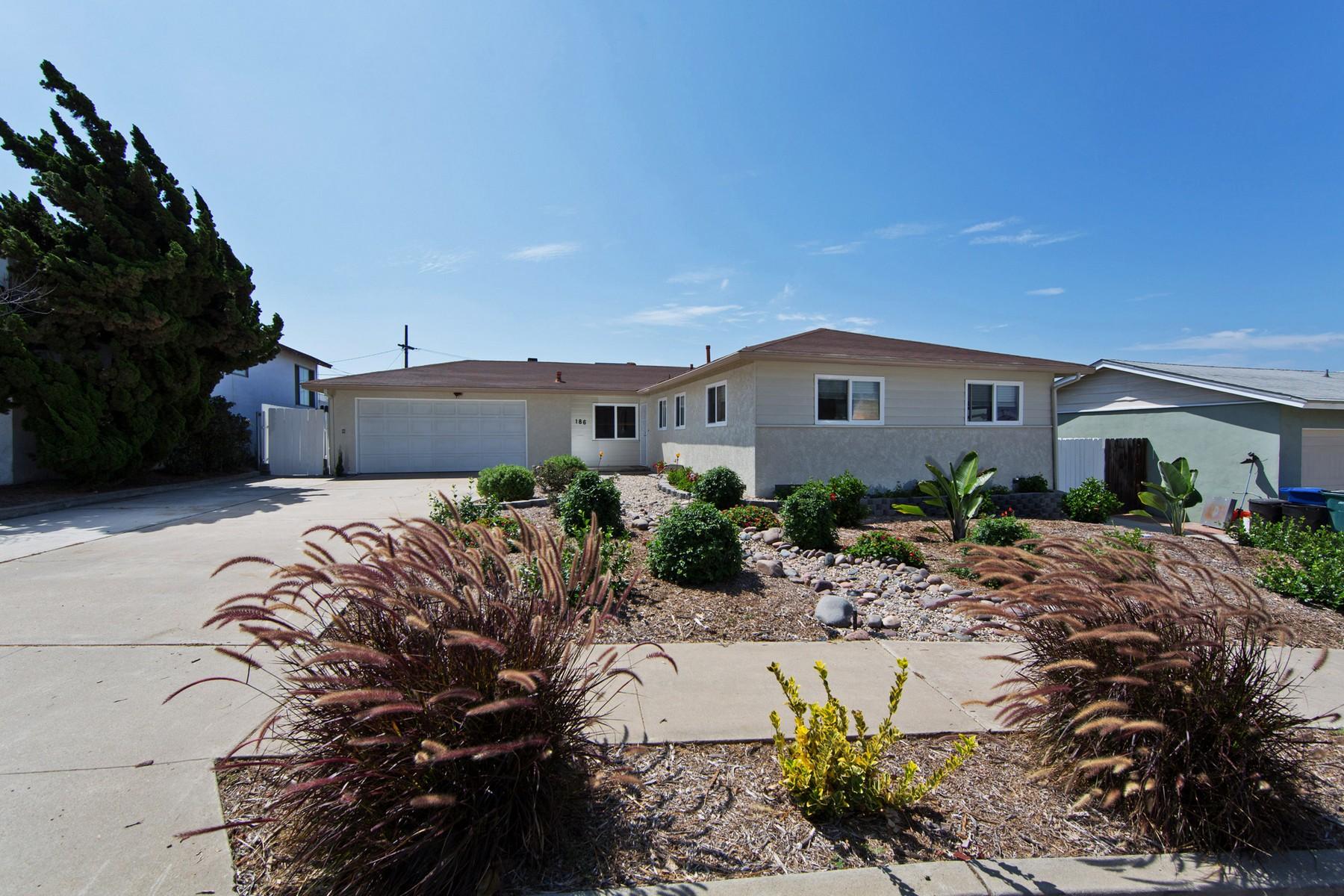 Maison unifamiliale pour l Vente à 186 E Millan Street Chula Vista, Californie 91910 États-Unis
