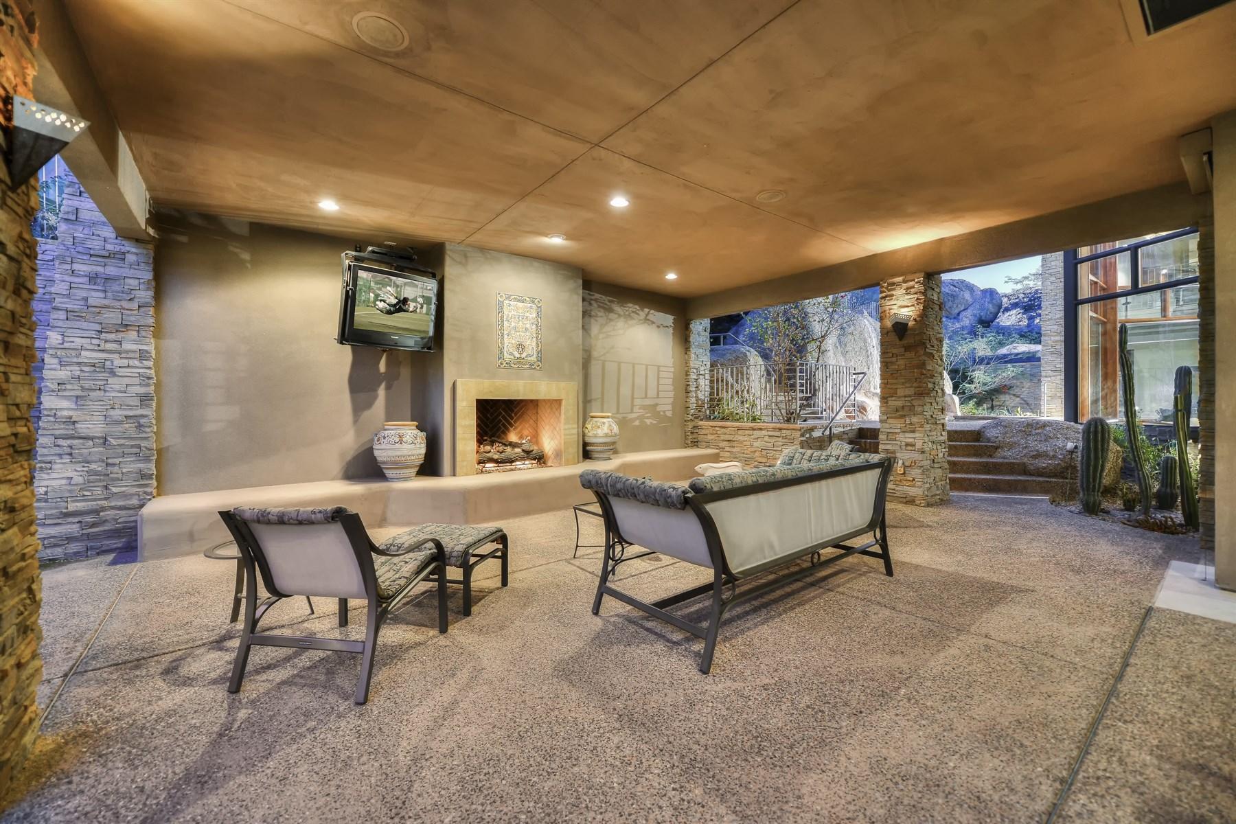 Property Of Hillside Masterpiece in Estancia