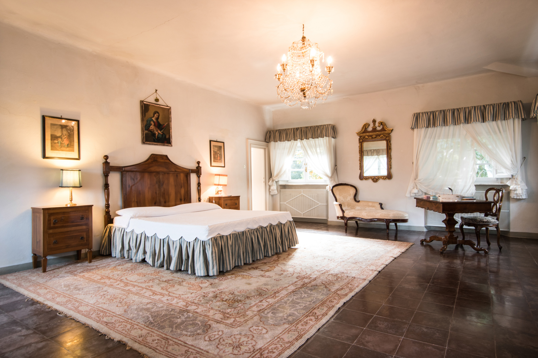 Additional photo for property listing at Charming 18th century villa in Lucca countryside Loc. Montuolo Lucca, Lucca 55100 Italien