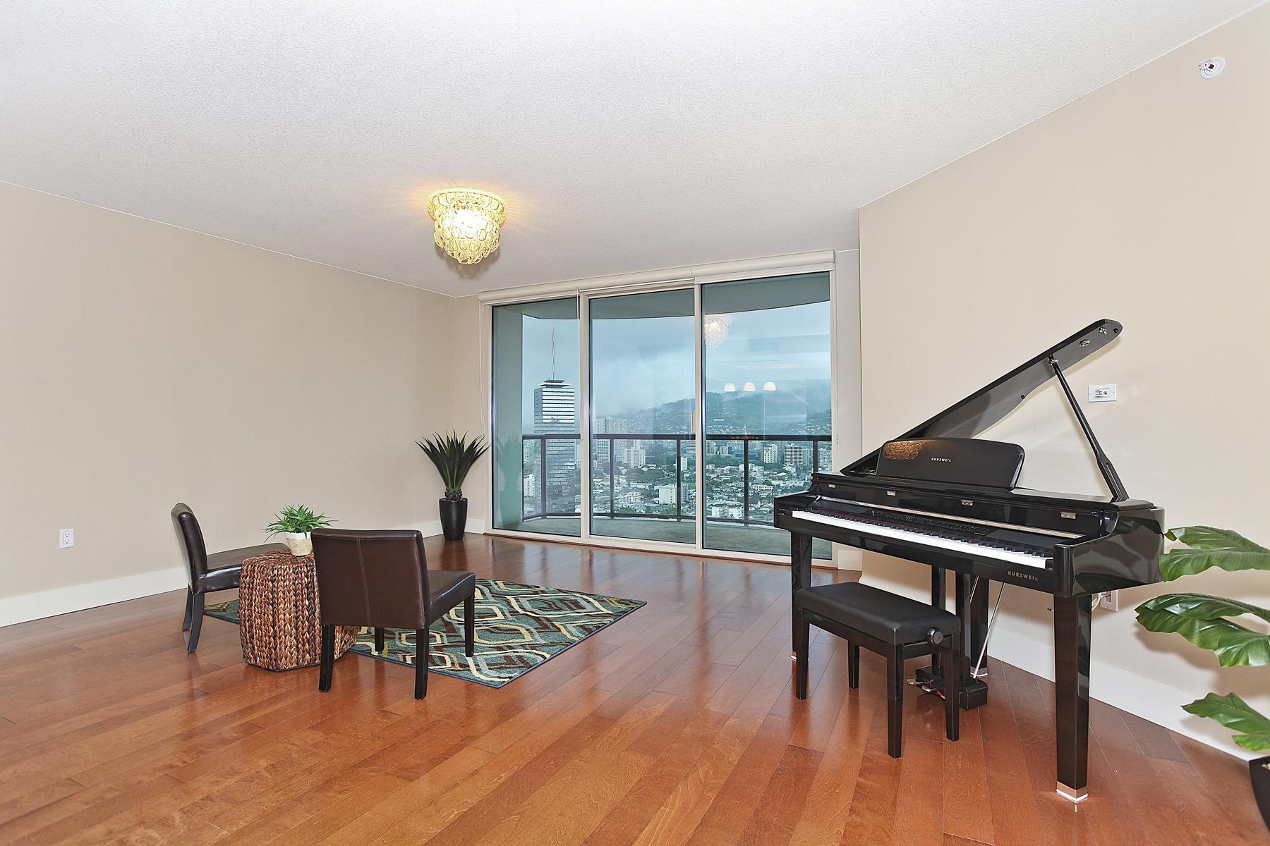共管式独立产权公寓 为 销售 在 Allure of Luxury 1837 Kalakaua Avenue #3008 Waikiki, 火奴鲁鲁, 夏威夷, 96815 美国
