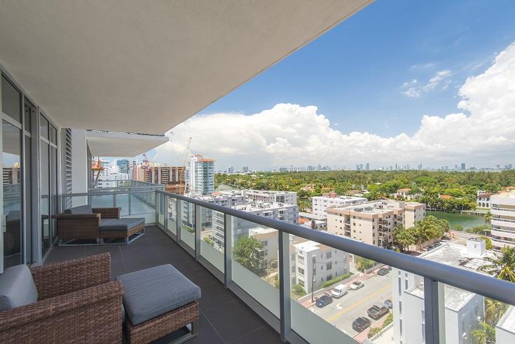 Maison unifamiliale pour l Vente à 3737 Collins Ave #S-1004 Miami Beach, Florida 33140 États-Unis
