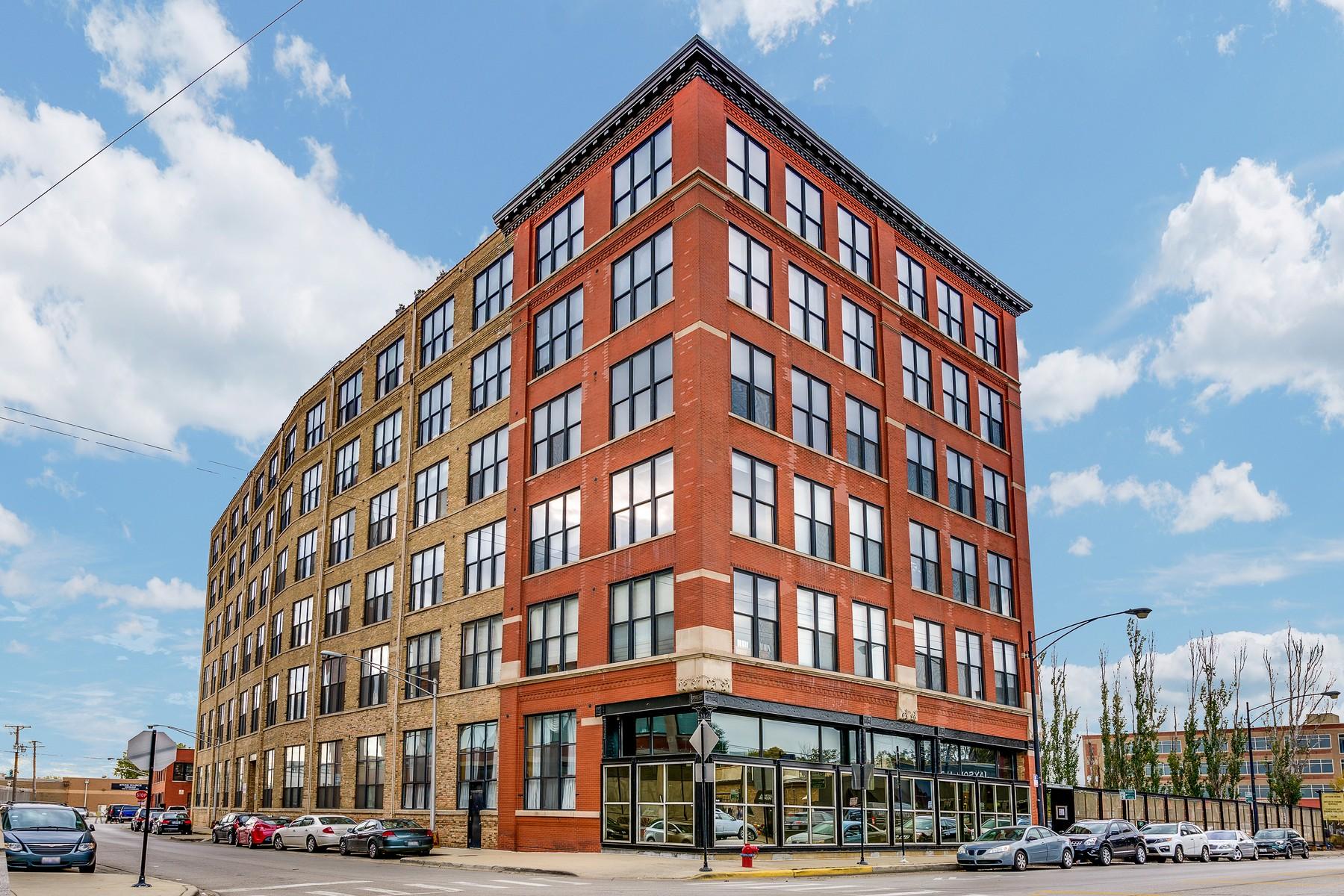 콘도미니엄 용 매매 에 Penthouse Loft 1872 N Clybourn Avenue Unit 604 Lincoln Park, Chicago, 일리노이즈 60614 미국