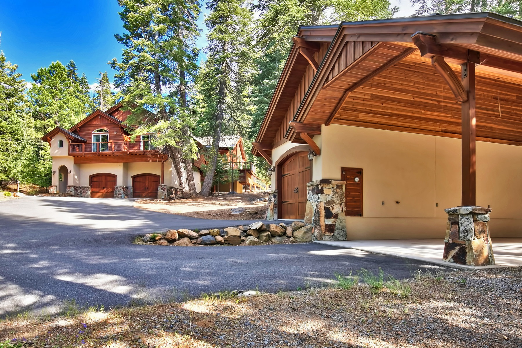 Single Family Home for Active at 12731 Brookstone Drive Truckee, California 96161 United States