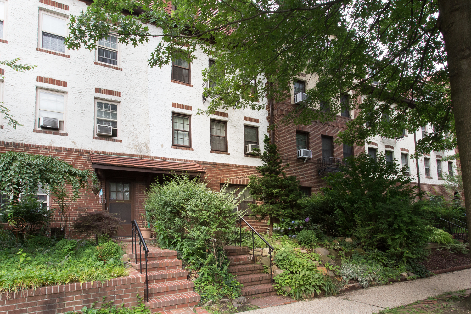 "Townhouse for Rent at ""DUPLEX TOWNHOUSE IN FHG"" Forest Hills, New York 11375 United States"
