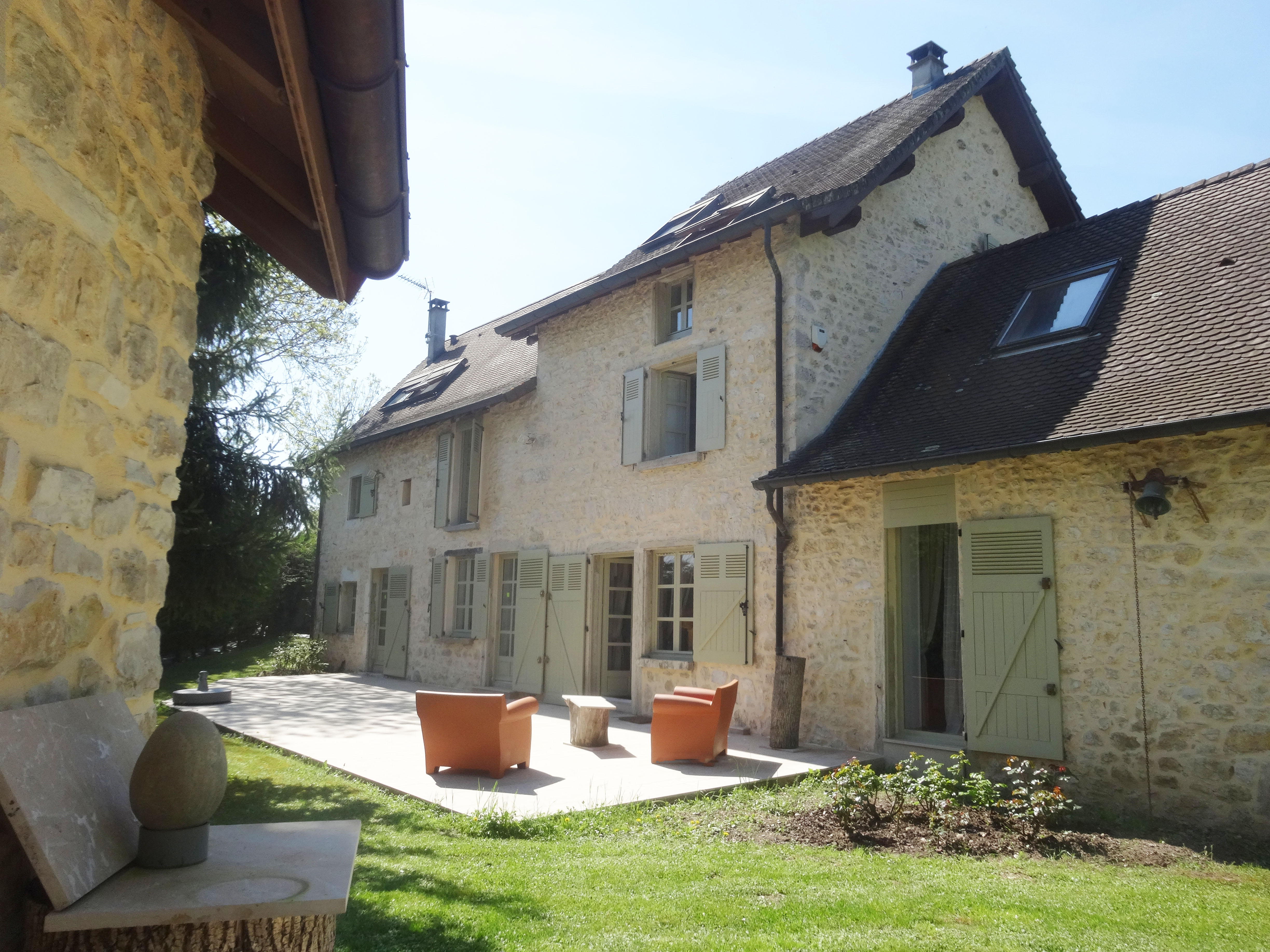 Single Family Home for Sale at MAISON DE CARACTERE AVEC HAMMAM, SPA, FITNESS CREYS Other Rhone-Alpes, Rhone-Alpes 38 France