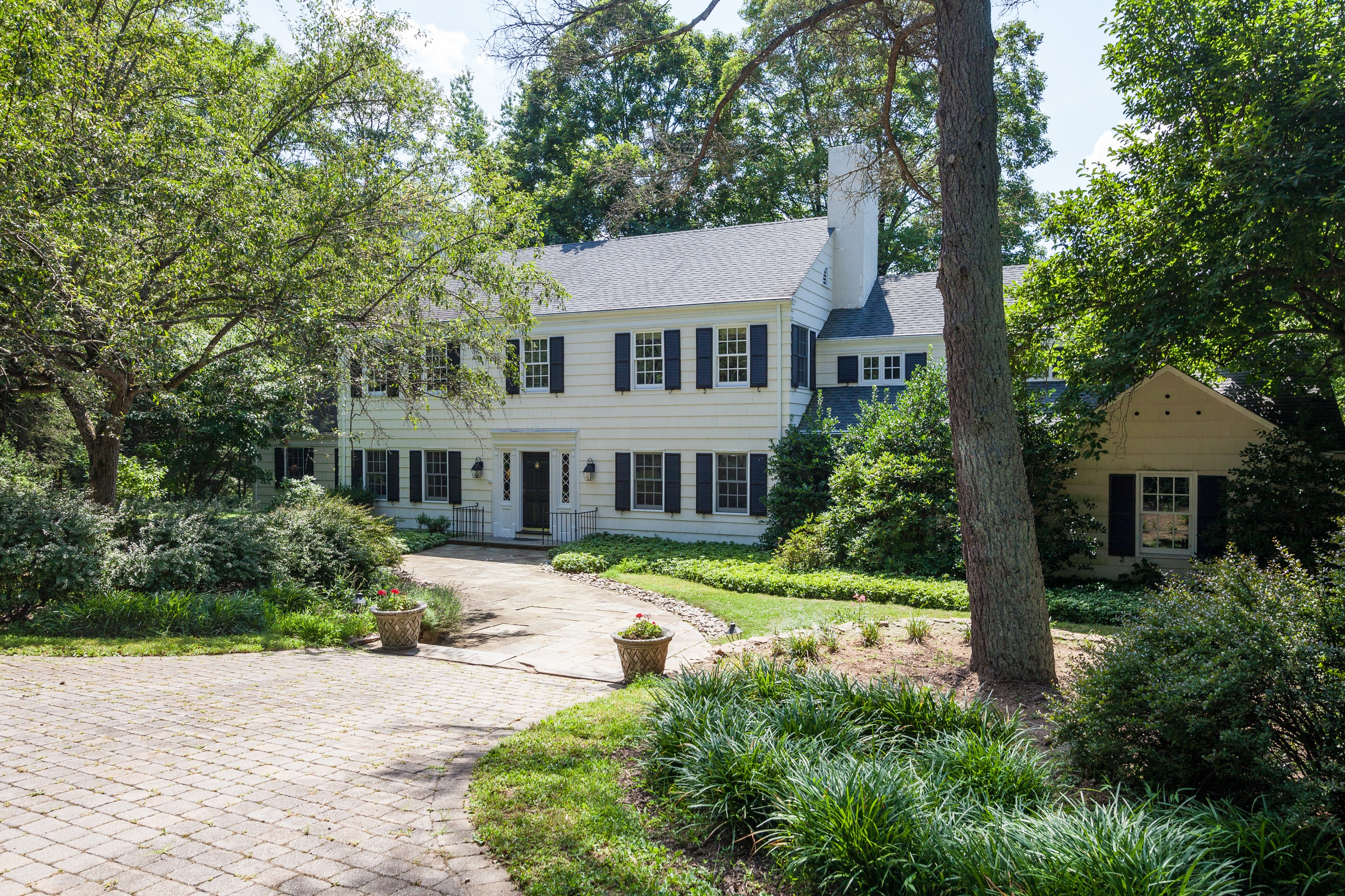 sales property at Classic Colonial