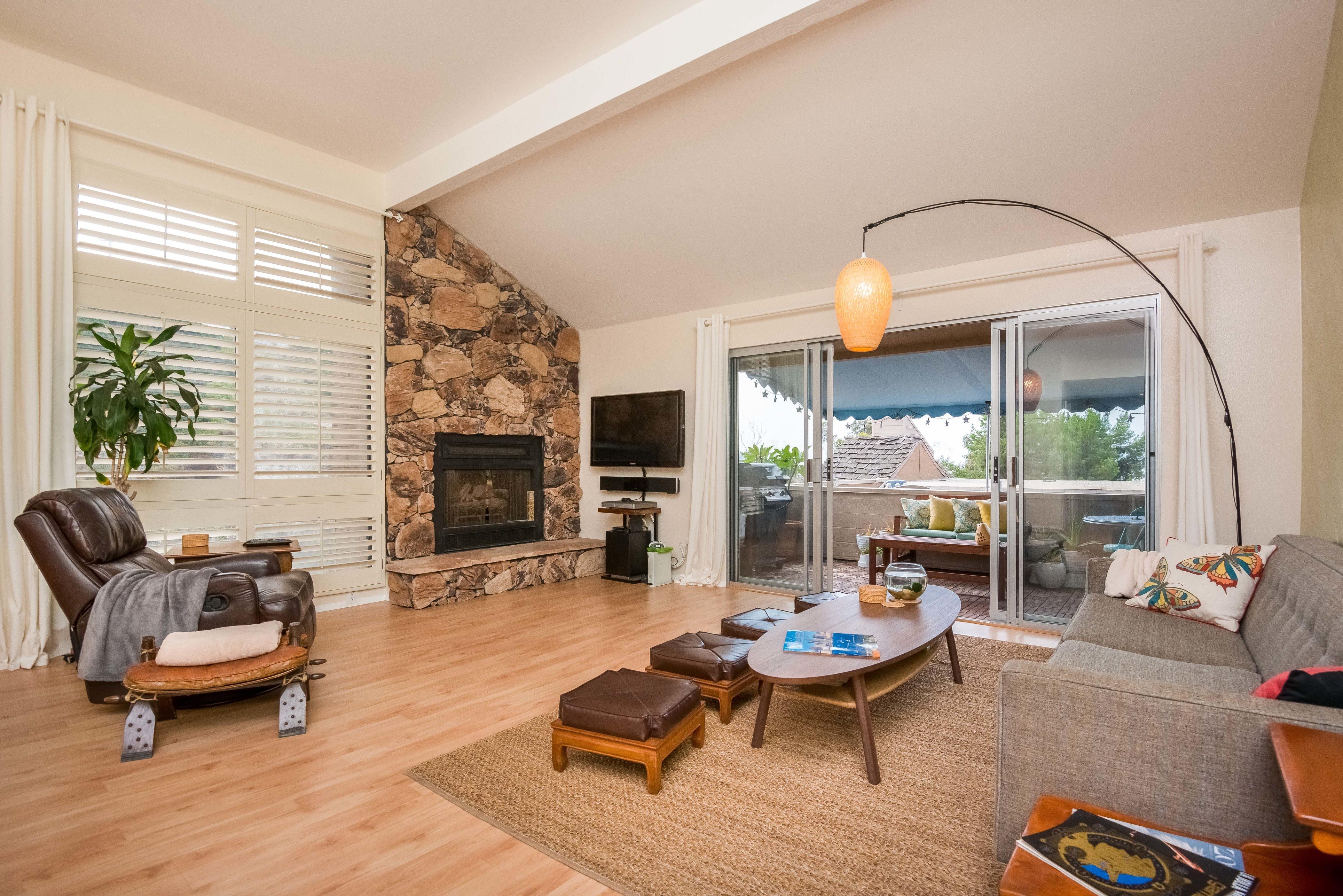 共管式独立产权公寓 为 销售 在 3747 Keating St 圣地亚哥, 加利福尼亚州 92110 美国
