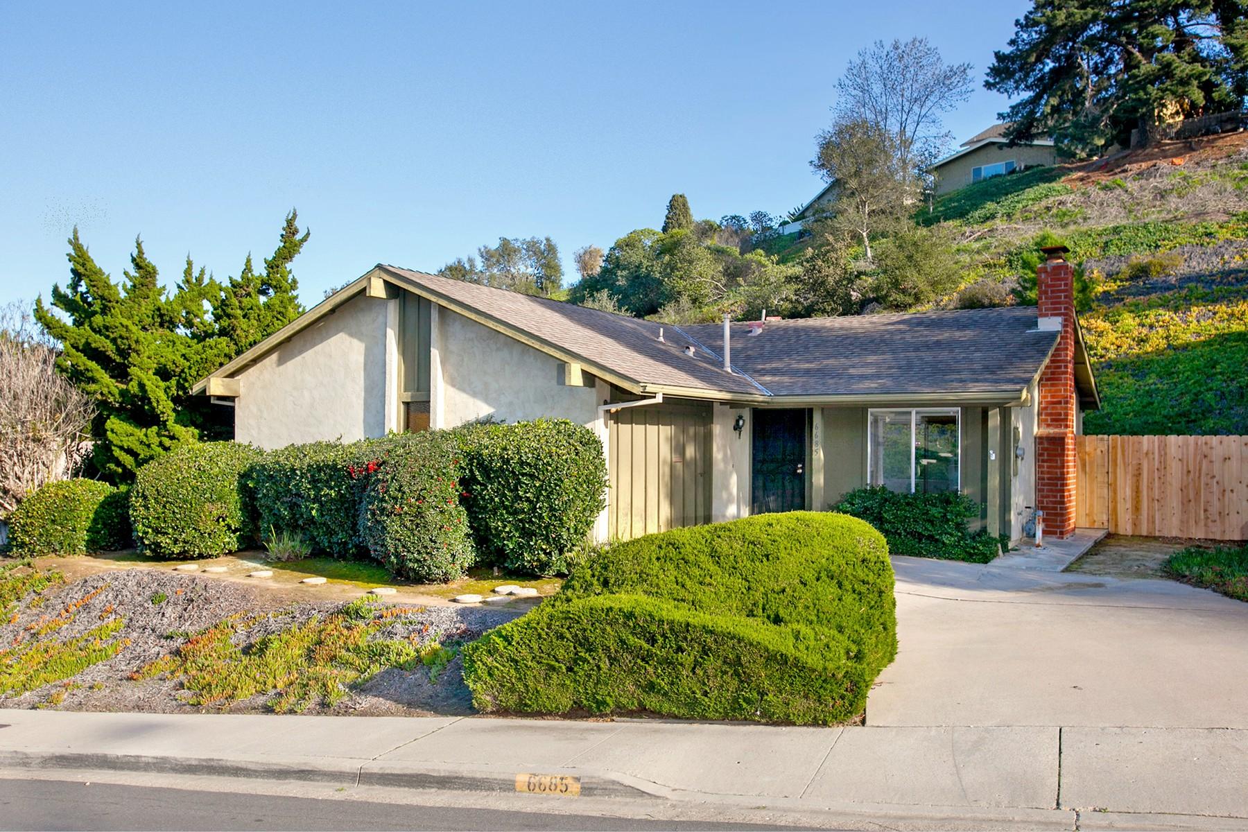 Villa per Vendita alle ore 6685 Lipmann Street San Diego, California 92122 Stati Uniti