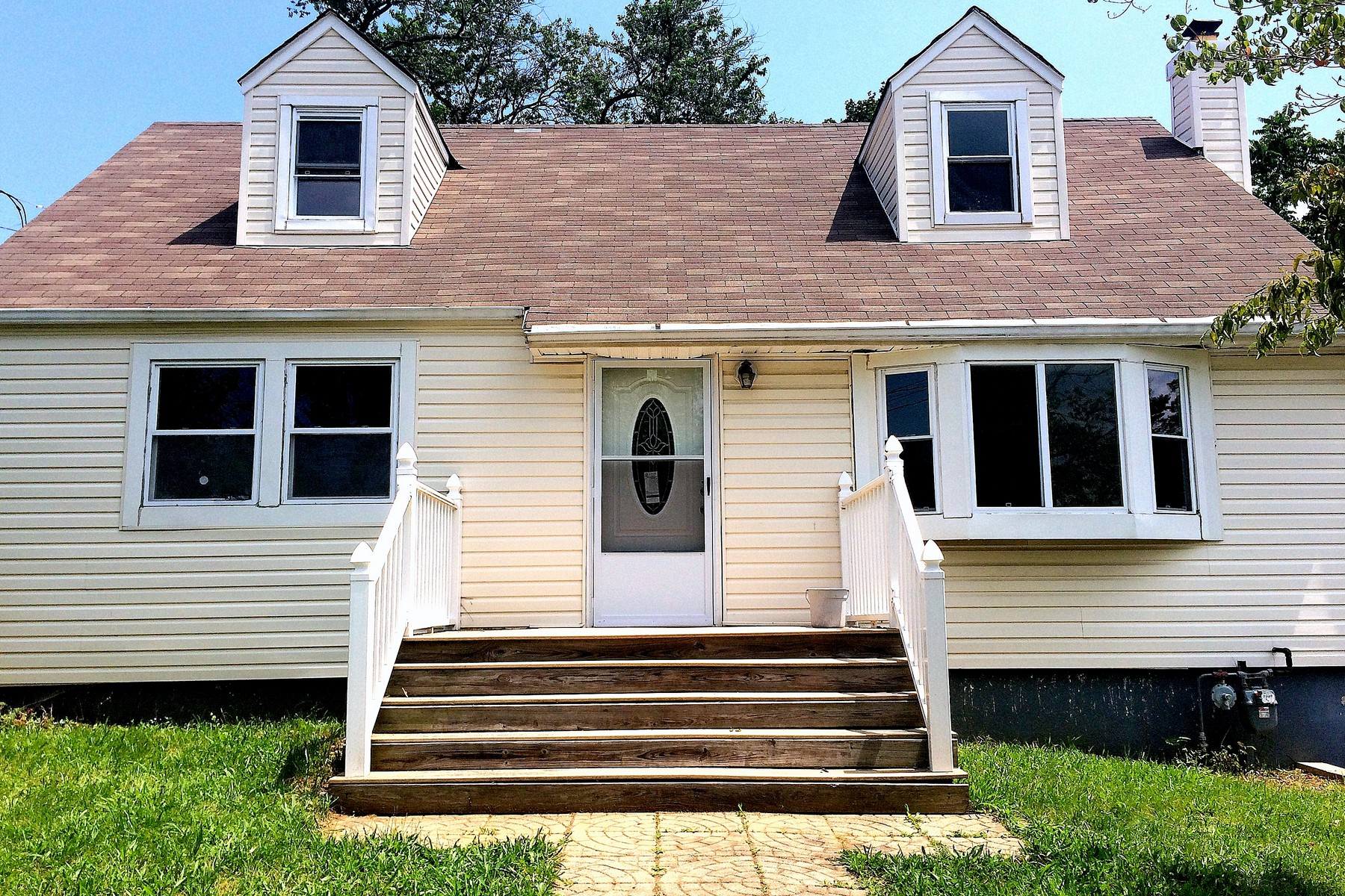 Single Family Home for Sale at Cute Cape! 414 Melrose Way Aberdeen, New Jersey 07747 United States