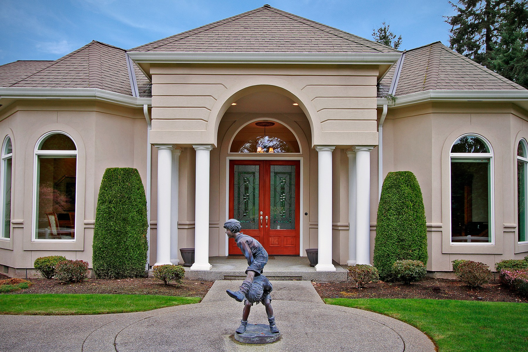 Maison unifamiliale pour l Vente à CountryClubCircle 128 Country Club Circle Lakewood, Washington, 98498 États-Unis