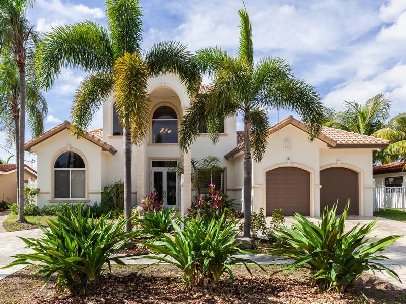 단독 가정 주택 용 매매 에 1221 SE 11 Ave. Deerfield Beach, 플로리다 33441 미국