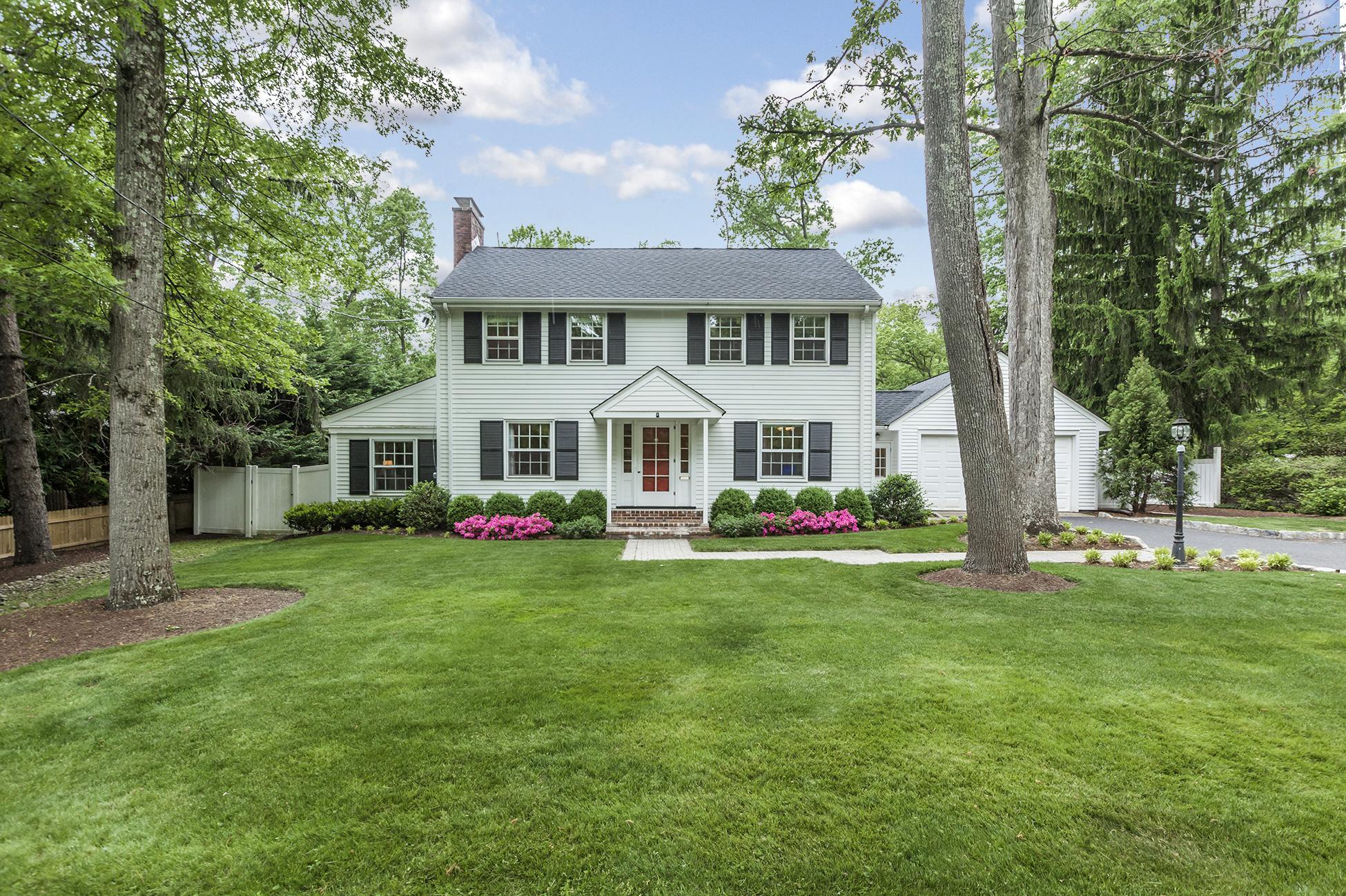独户住宅 为 销售 在 Updated Colonial Near The Heart Of Princeton 188 State Road Princeton, 新泽西州 08540 美国