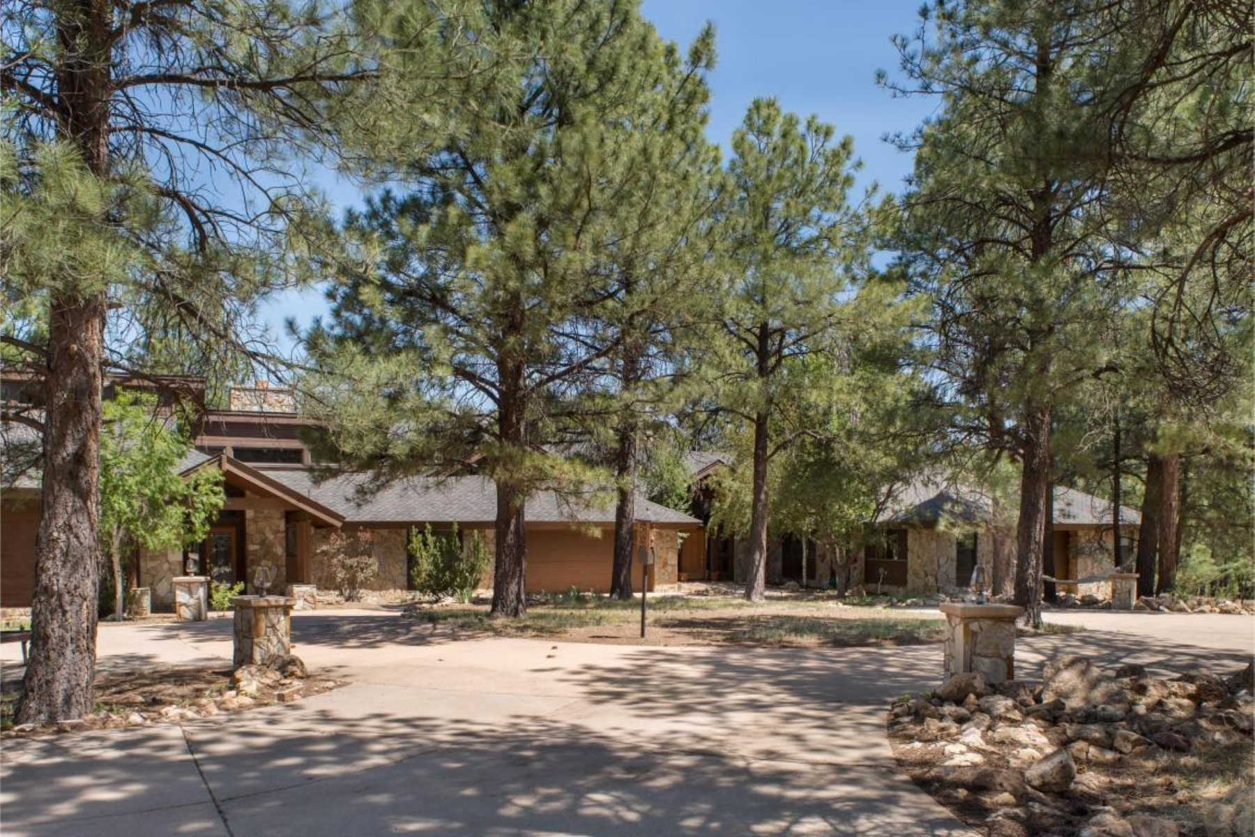 Single Family Home for Sale at Incredible Lakeside Acres Estate 4450 E Green Mountain Dr Flagstaff, Arizona, 86004 United States