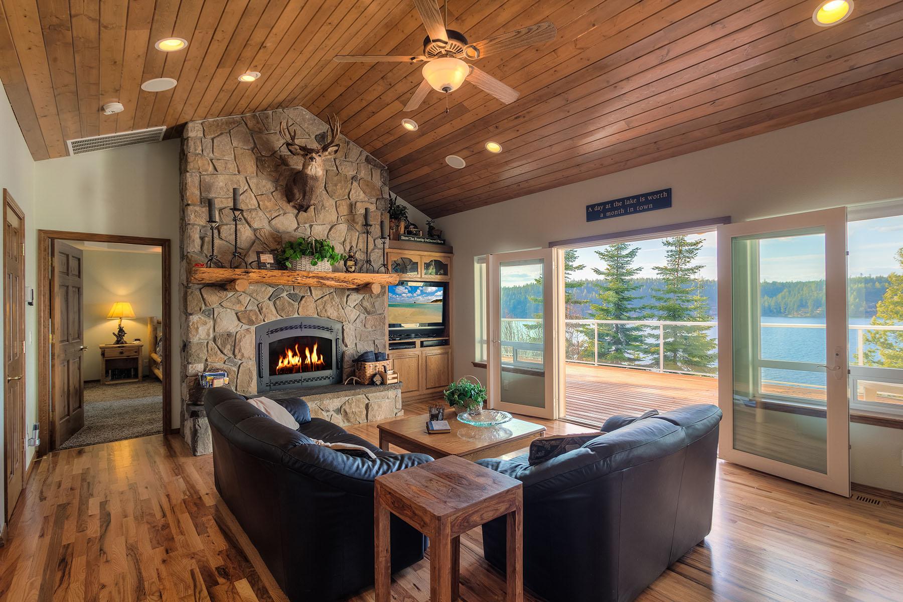 Casa Unifamiliar por un Venta en Hayden Lake Vacation Home Beauty 6701 E YELLOWBANK RD Hayden, Idaho, 83835 Estados Unidos