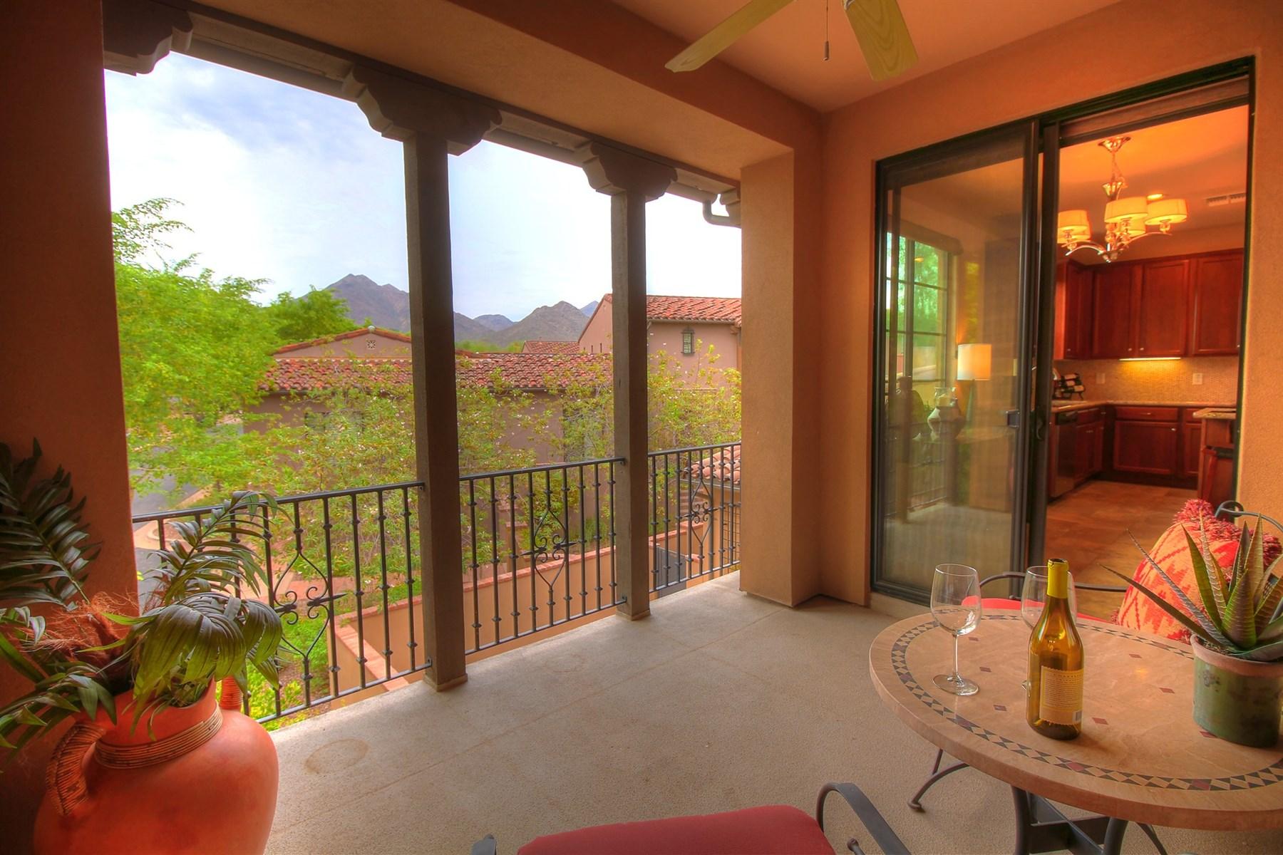 多棟聯建住宅 為 出售 在 Exceptional property in the heart of the Courtyards at Desert Park 18650 N Thompson Peak Pkwy 2084 Scottsdale, 亞利桑那州 85255 美國