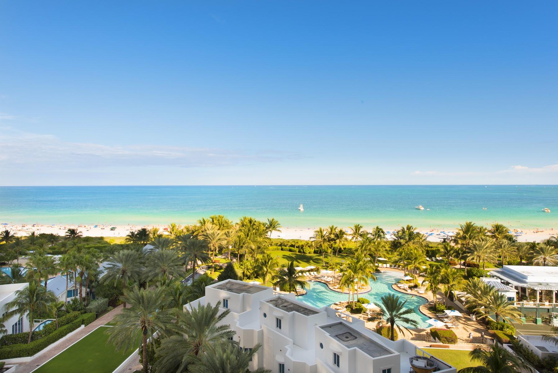 Condomínio para Venda às 100 S Pointe Dr #909 Miami Beach, Florida 33139 Estados Unidos