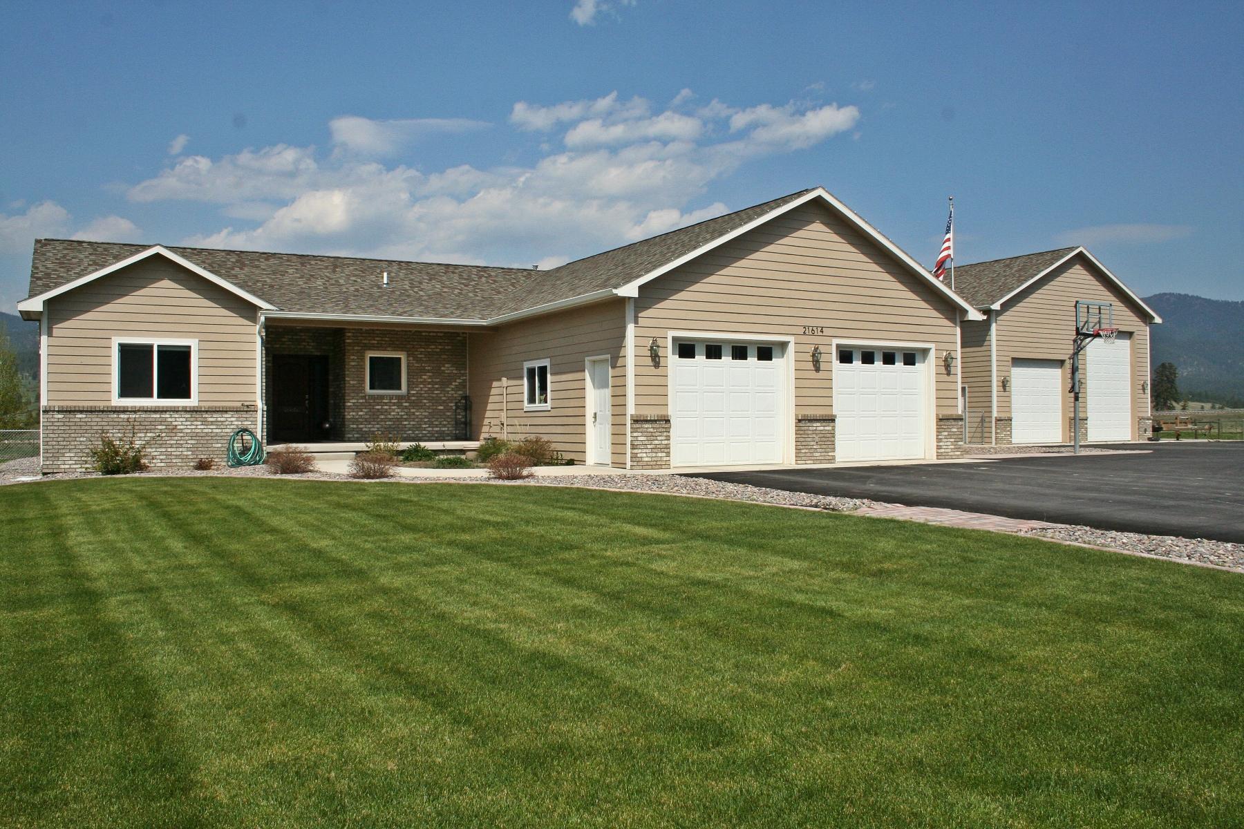 Casa para uma família para Venda às 21614 Mullan Road Frenchtown, Montana 59834 Estados Unidos