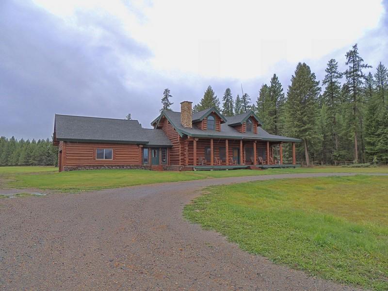 獨棟家庭住宅 為 出售 在 Premier Horse Facility 555 & 561 Twin Bridges Rd Whitefish, 蒙大拿州 59937 美國