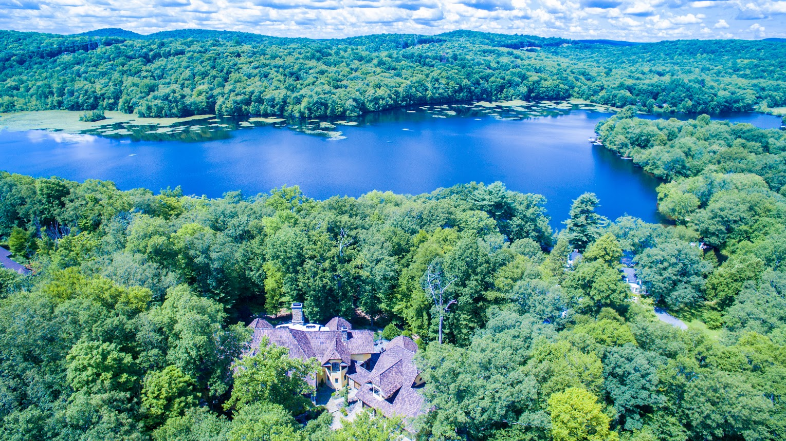 Single Family Home for Sale at Exclusive Waterfront Home 4 Old Cranberry Road Sloatsburg, New York 10974 United States