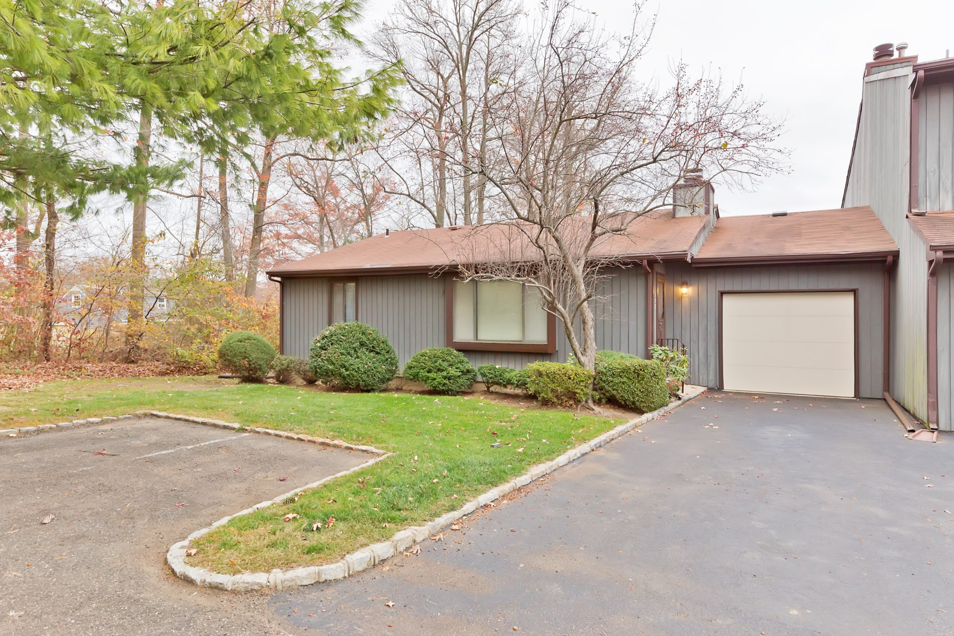 Property For Sale at 187 Heywood Ct