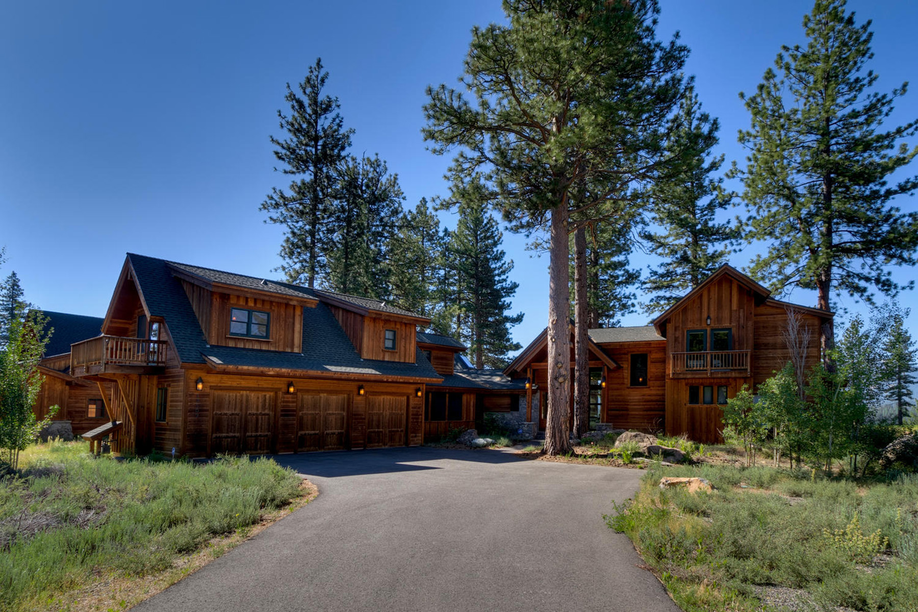 Single Family Home for Active at 13103 Lookout Loop Truckee, California 96161 United States