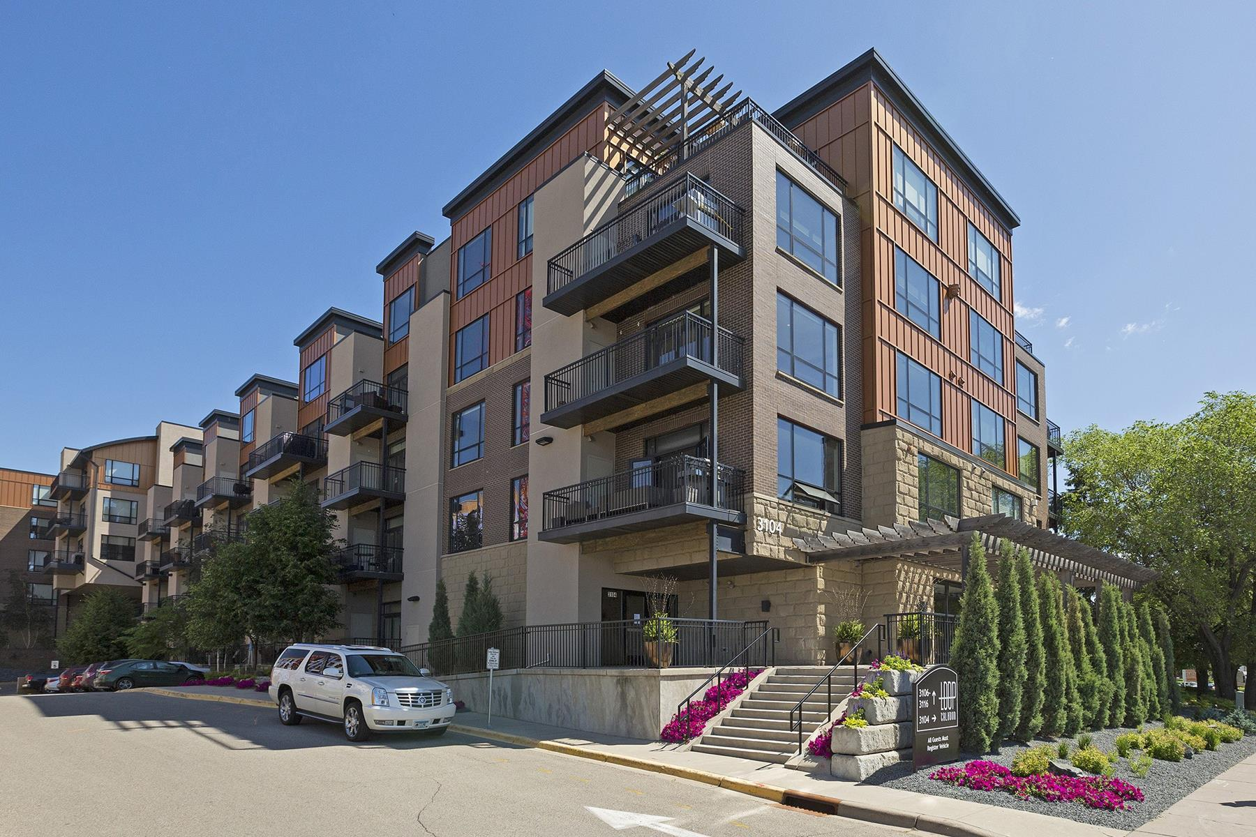 sales property at 3104 W Lake Street #302