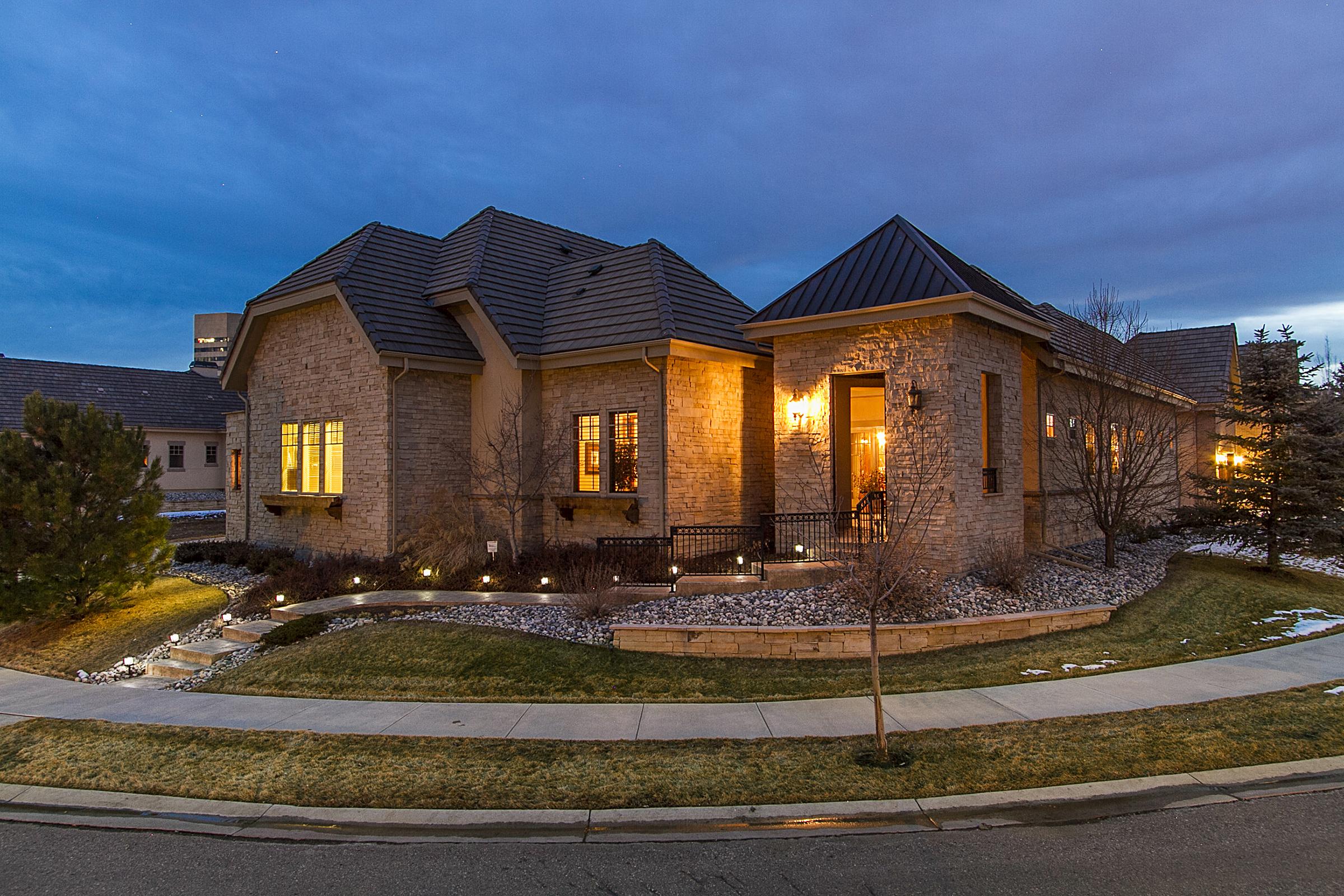 Casa Unifamiliar por un Venta en Beautiful home in One Cherry Lane 22 Sommerset Cir Greenwood Village, Colorado, 80111 Estados Unidos