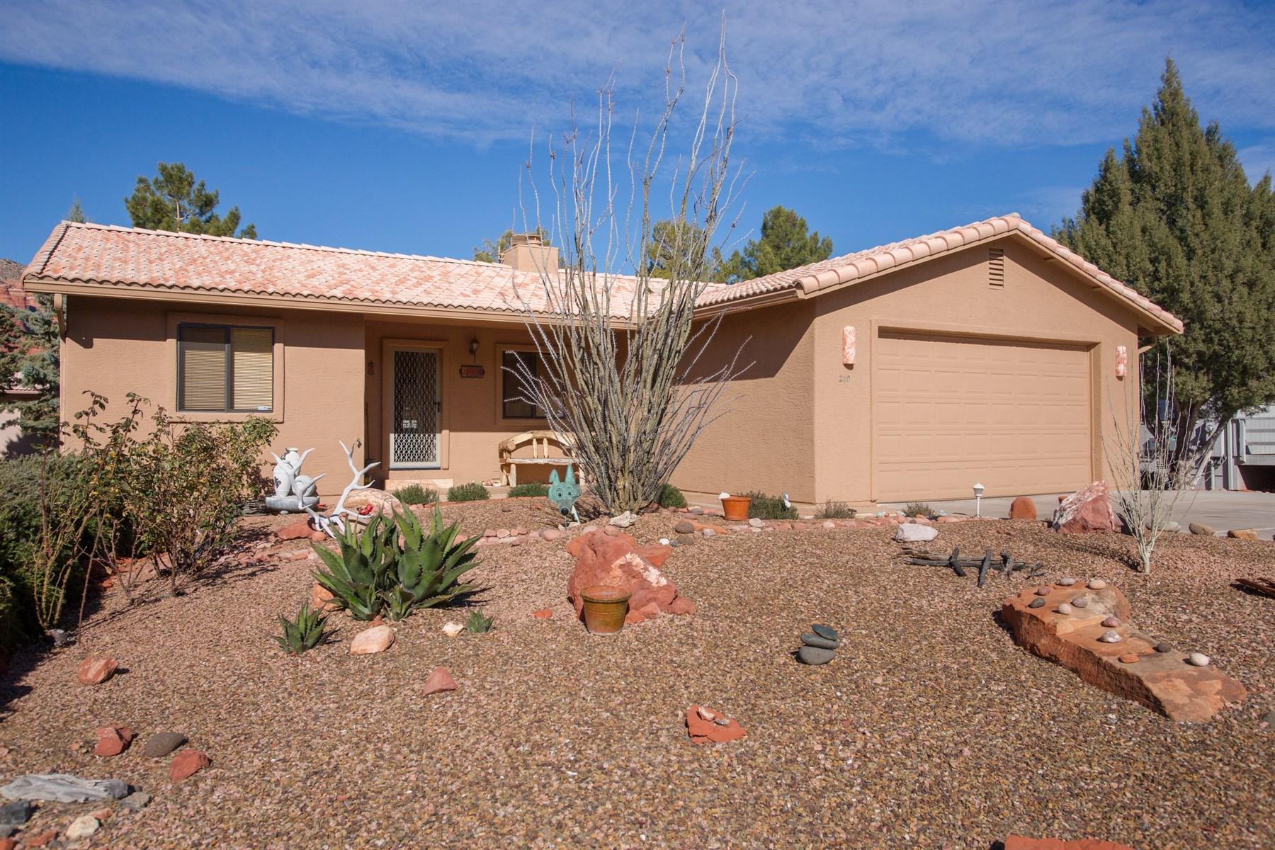 Vivienda unifamiliar por un Venta en Lovely family home in sedona. 210 Concho Drive Sedona, Arizona 86351 Estados Unidos