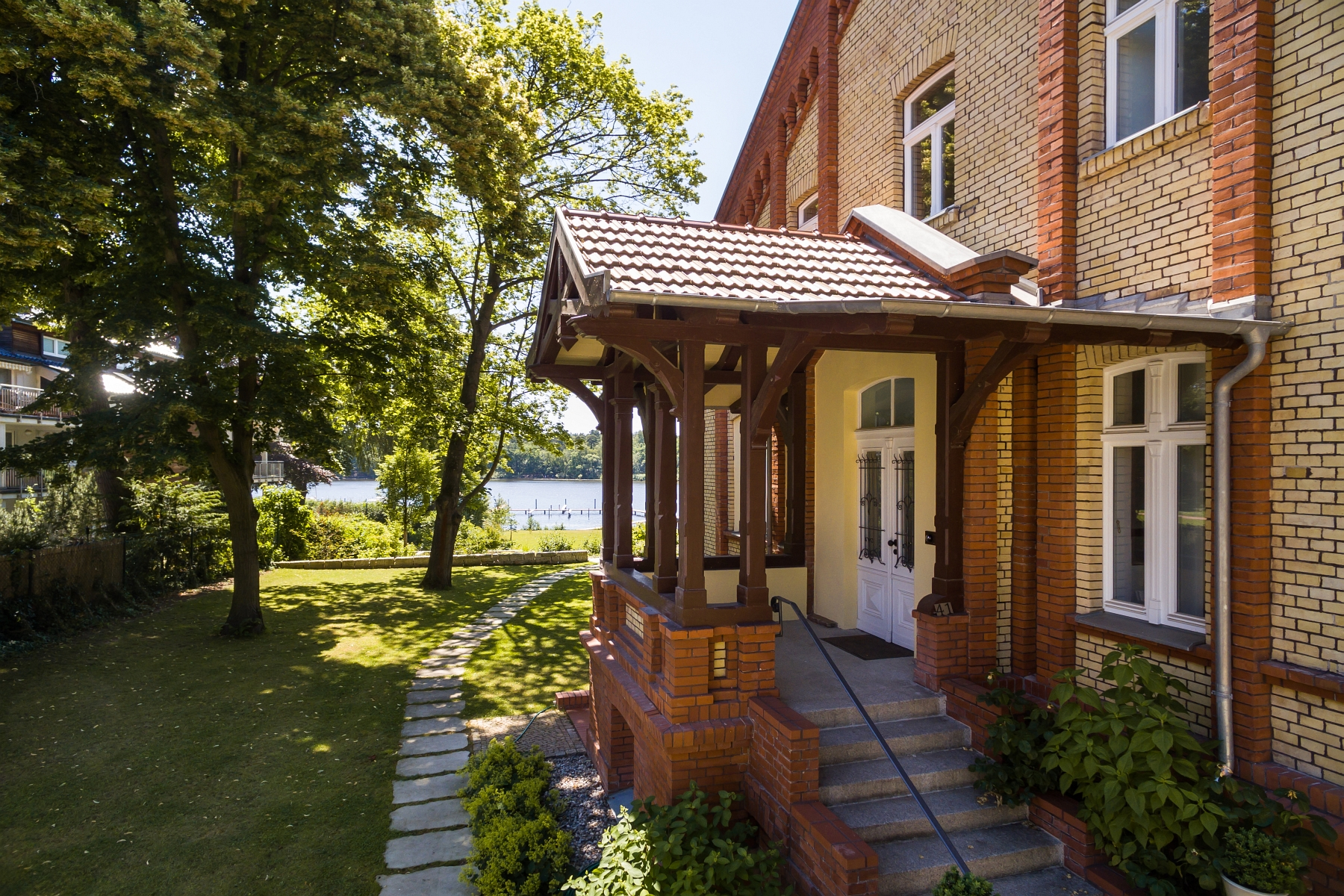 Property Of Villa Wilhelmina – Tasteful emperor villa with lake view