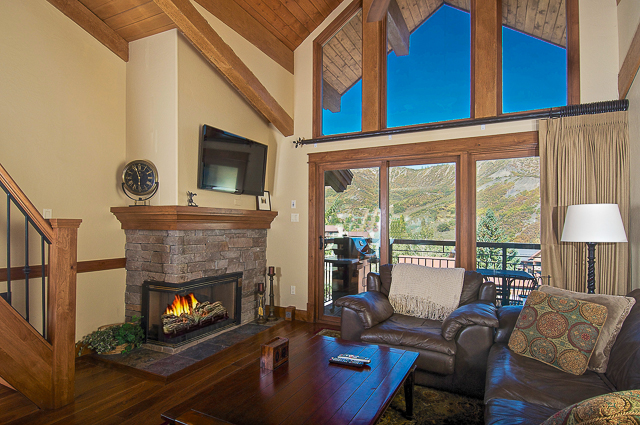 Частный односемейный дом для того Продажа на Skier's Dream 400 Wood Road Unit 2302 Snowmass Village, Колорадо 81615 Соединенные Штаты