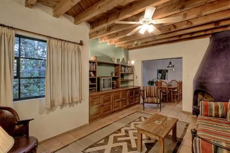 Частный односемейный дом для того Продажа на Casa de Enero 20 de Enero #18 San Miguel De Allende, Guanajuato 37750 Мексика