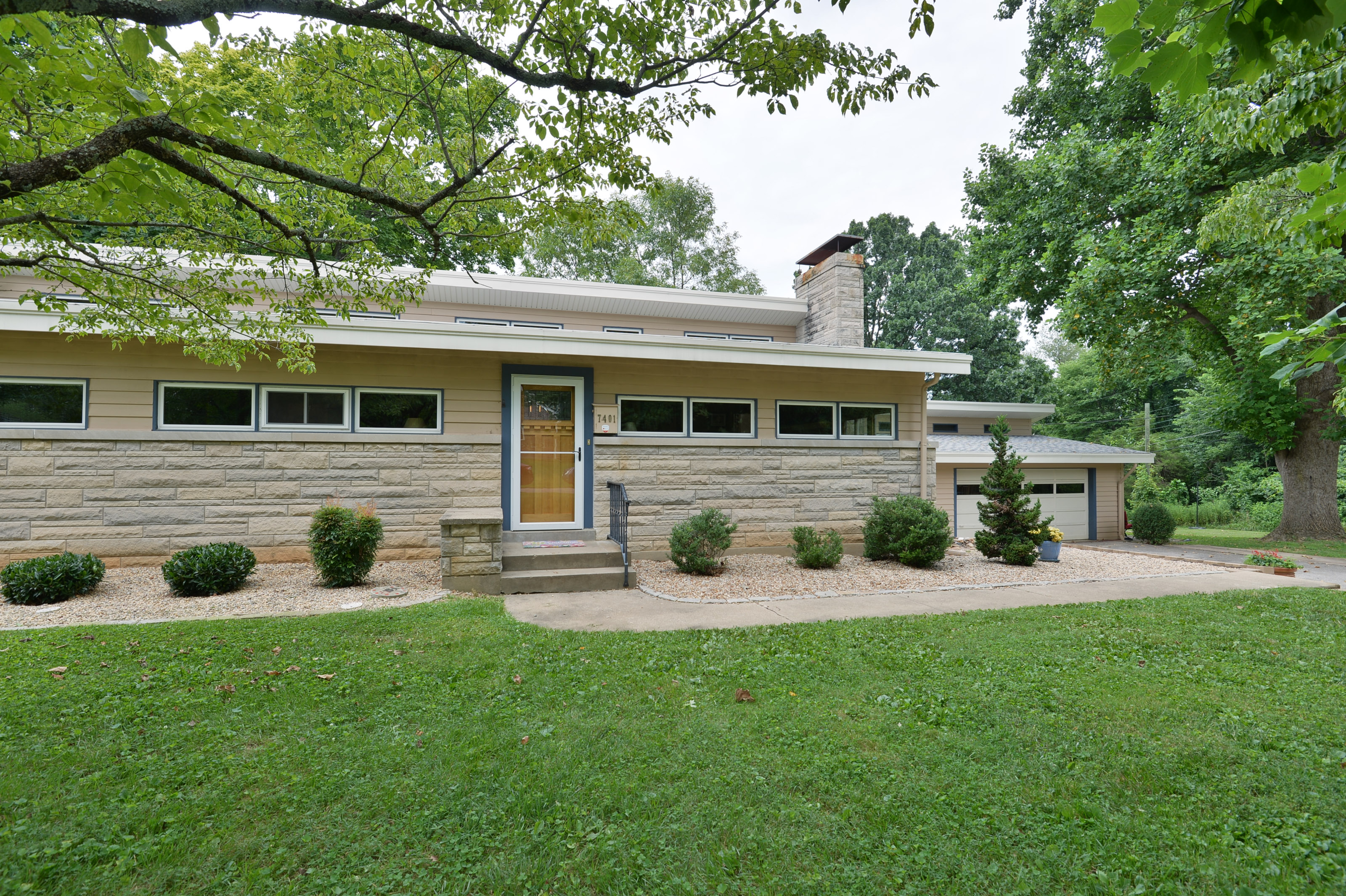 sales property at 7401 Boxwood Road