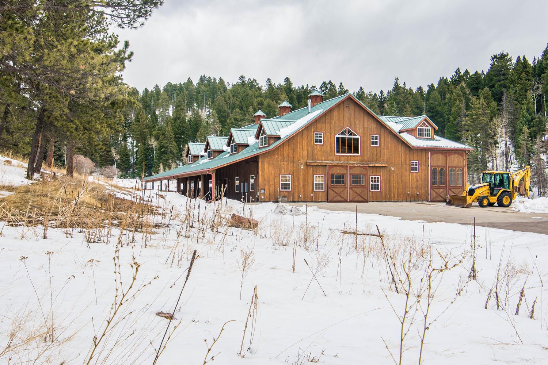 Maison unifamiliale pour l Vente à Gorgeous Raised Ranch on 19 Acres! 12304 US Highway 285 - House only Conifer, Colorado, 80433 États-Unis