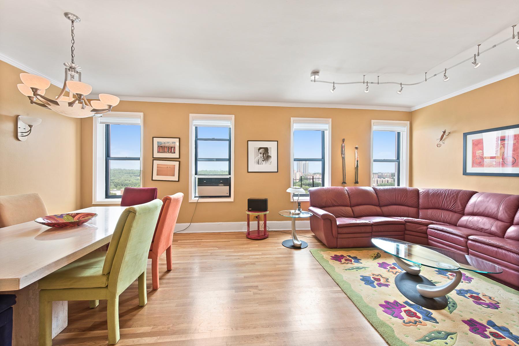코압 용 매매 에 Extraordinary and Spacious 3 BR Renovated Co-op 3875 Waldo Avenue 11T Riverdale, Bronx, 뉴욕, 10463 미국