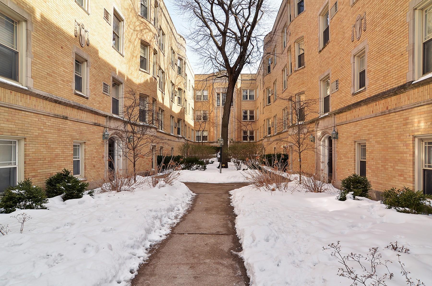 Property For Sale at Spacious Bright Condominium