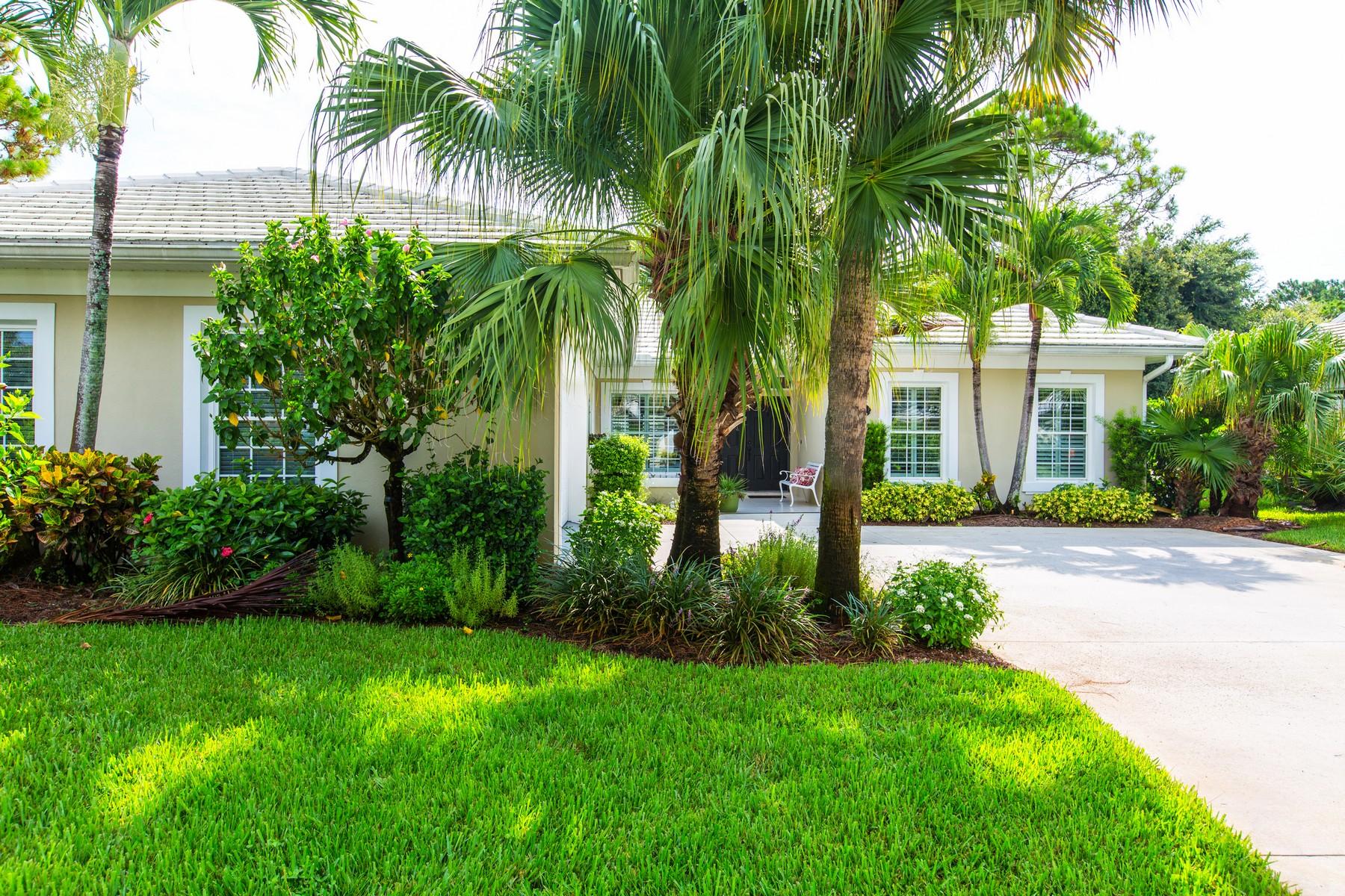 Maison unifamiliale pour l Vente à Charming villa in Bent Pine 5848 Magnolia Lane Vero Beach, Florida 32967 États-Unis