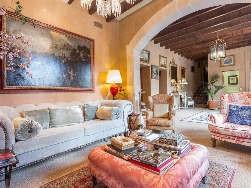Многосемейный дом для того Продажа на Historical Finca in the SE coast of Mallorca Llucmajor, Майорка, 07620 Испания