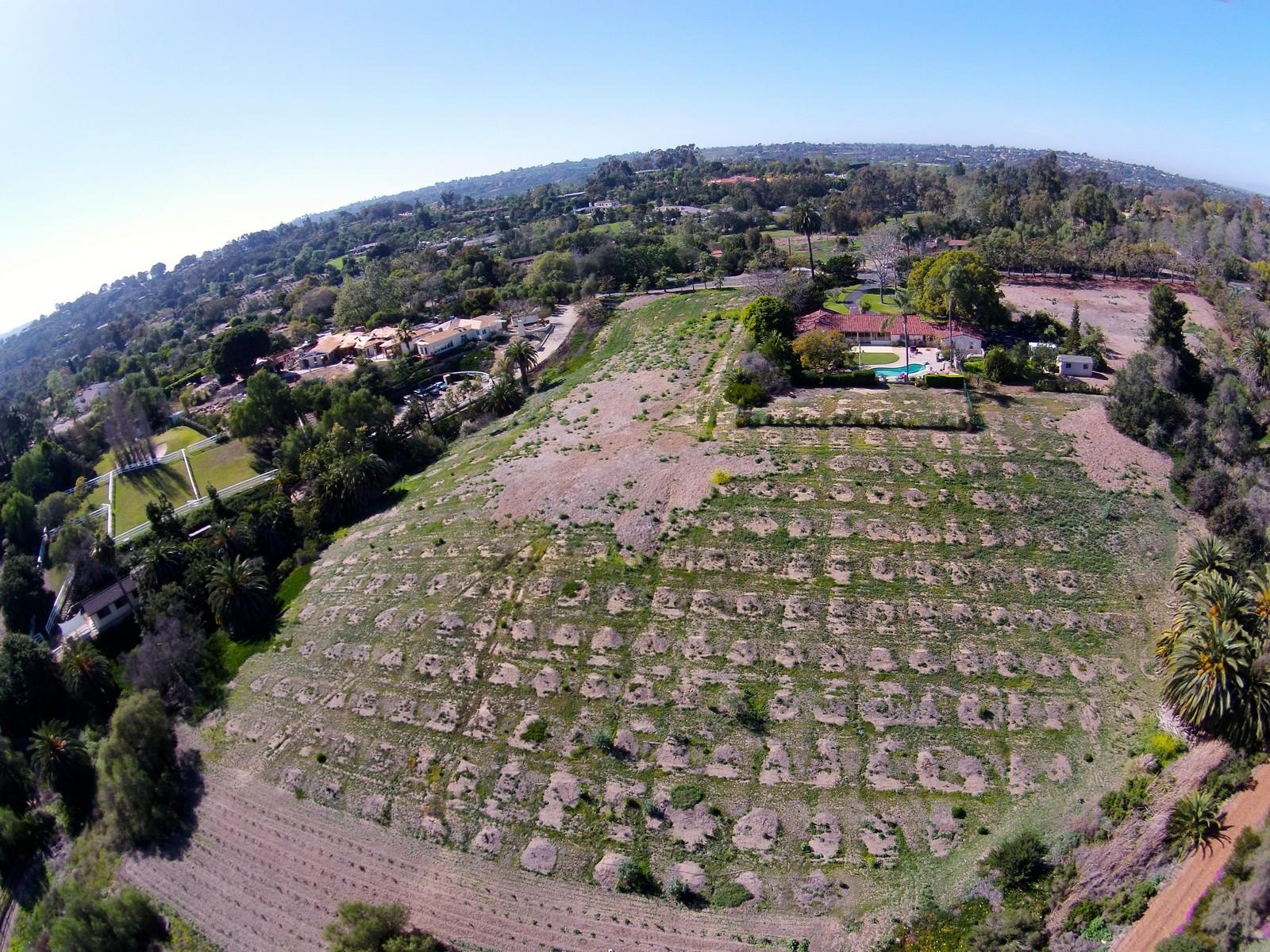 土地 为 销售 在 17445 Via De Fortuna Rancho Santa Fe, 加利福尼亚州 92067 美国