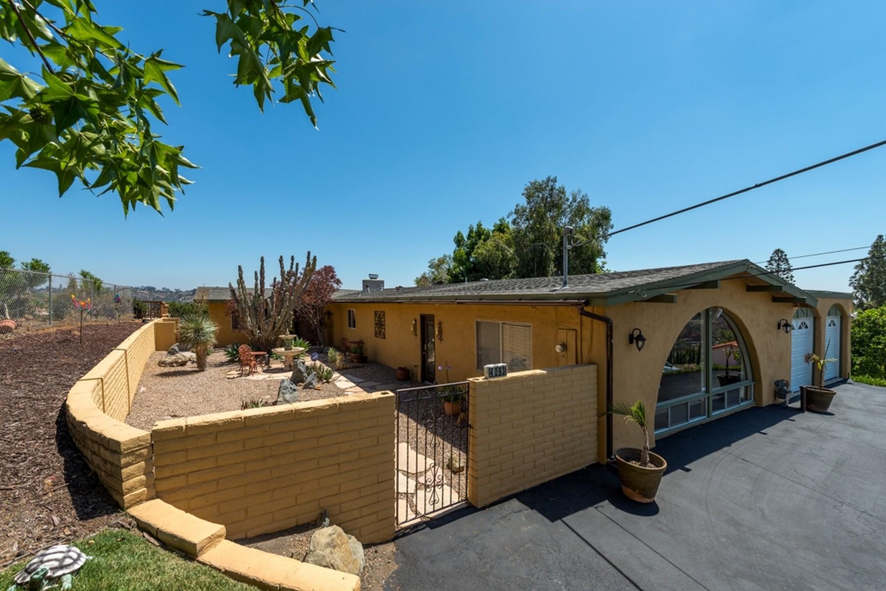 Casa Unifamiliar por un Venta en 4093 S Tropico La Mesa, California 91941 Estados Unidos