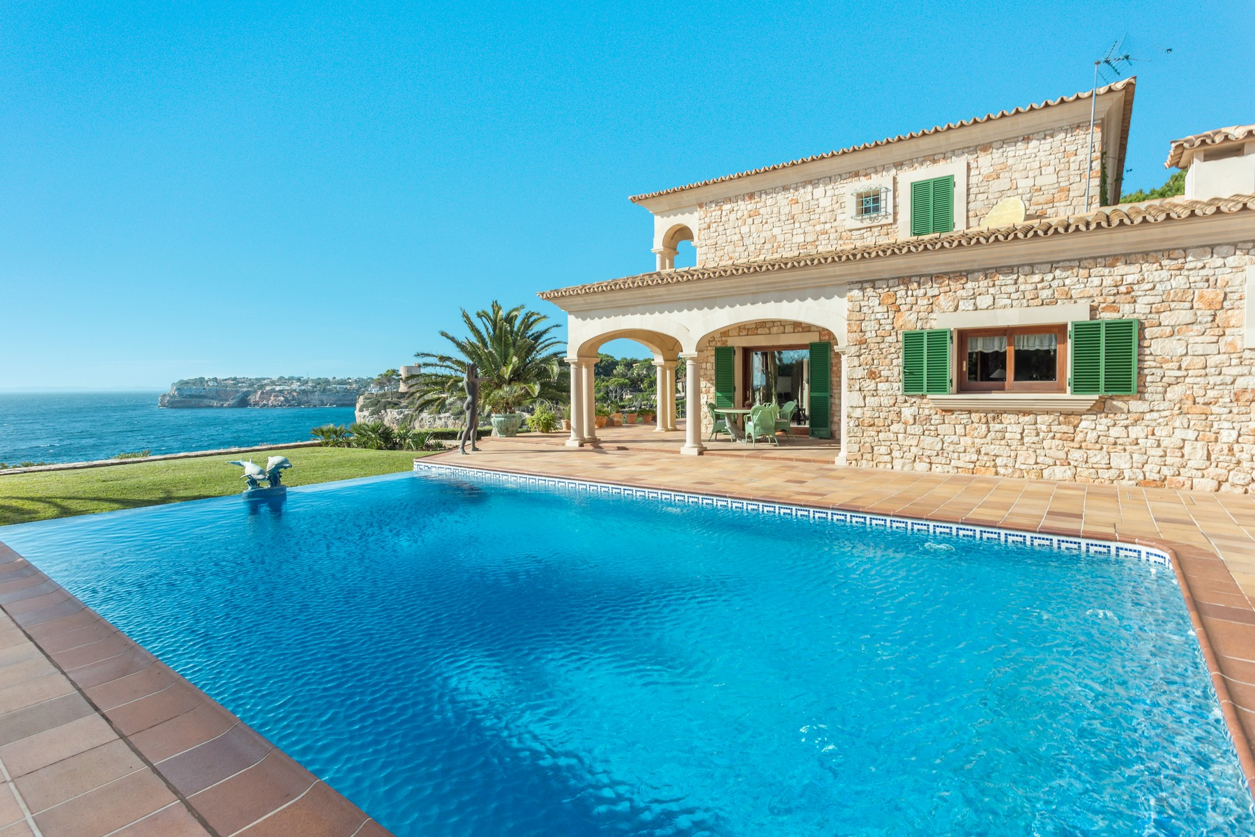 Single Family Home for Sale at Exclusive frontline villa in Santanyí Santanyi, Mallorca, 07171 Spain