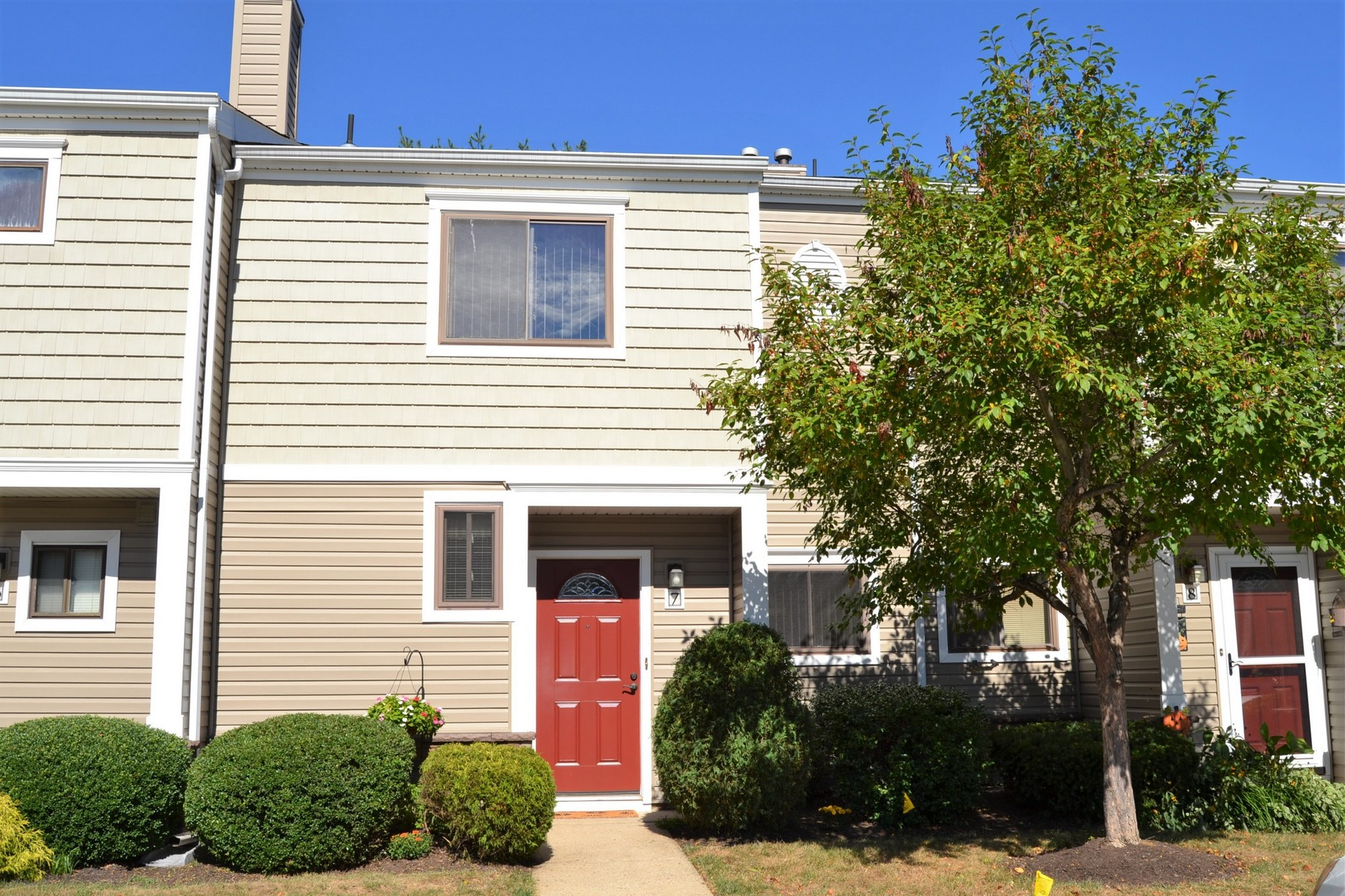 Townhouse for Sale at Winding Brook Townhome 7 Elizabeth Ct Eatontown, New Jersey 07724 United States