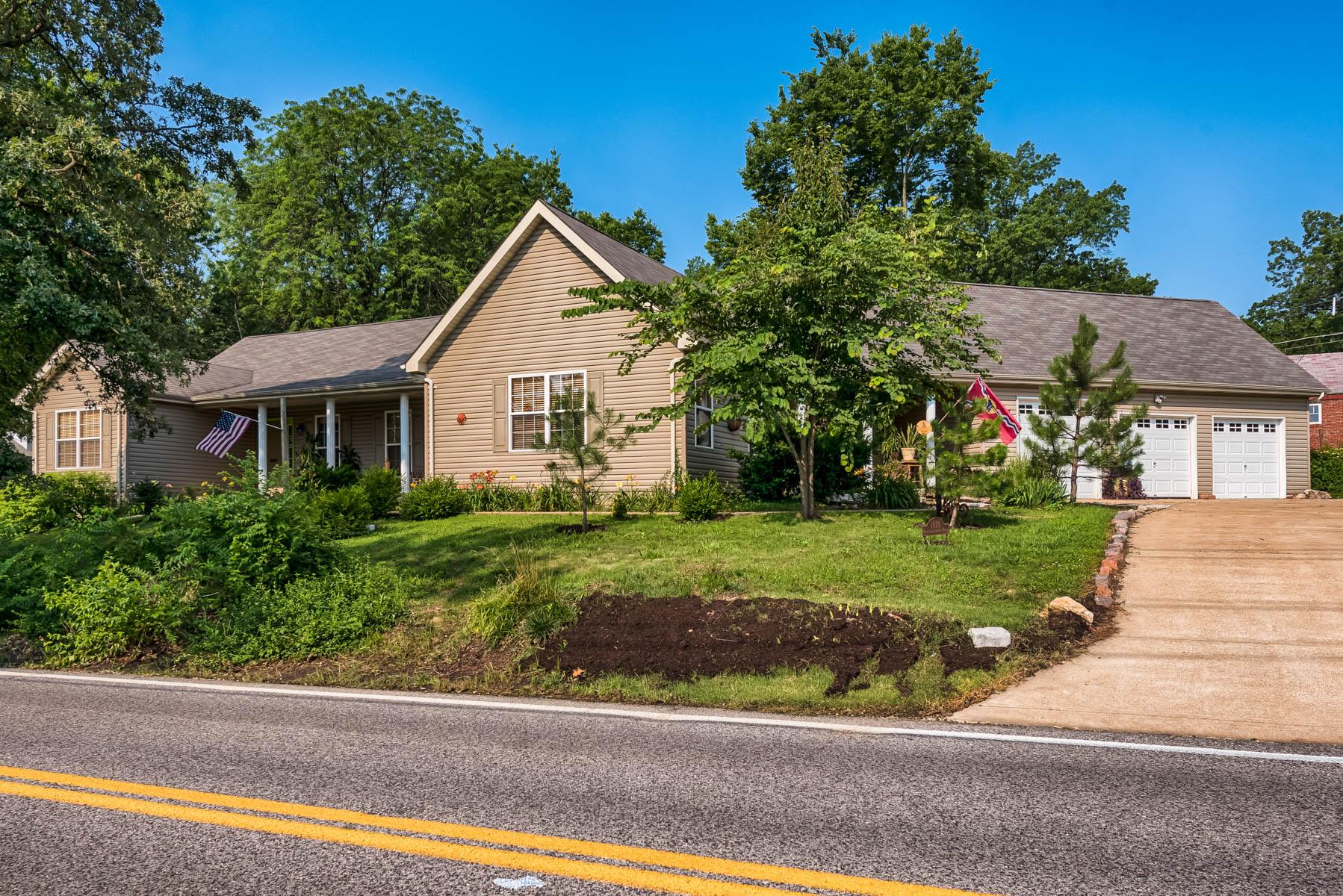 Casa para uma família para Venda às North and South 1513 North and South University City, Missouri 63130 Estados Unidos