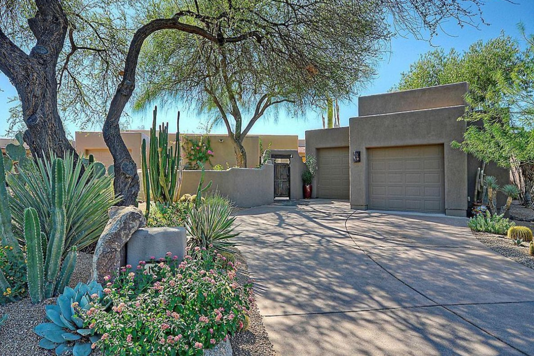 Maison de ville pour l Vente à Beautiful townhouse in The Boulders 1631 N Quartz Valley Rd Scottsdale, Arizona 85266 États-Unis