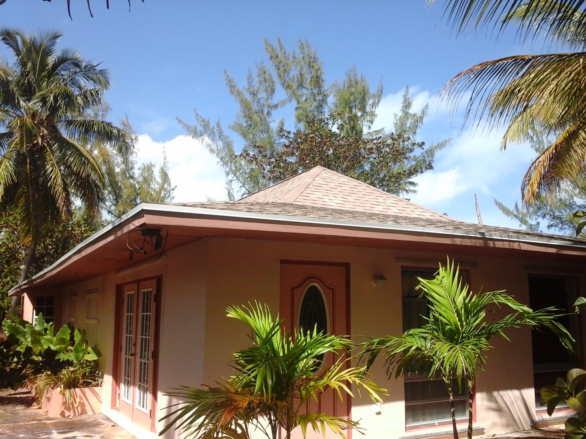 Additional photo for property listing at Brigantine Bungalow Treasure Cay, Abaco Bahamas