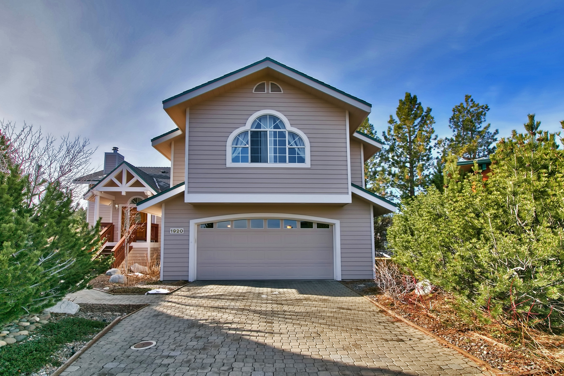 Single Family Home for Active at 1920 Marconi Way South Lake Tahoe, California 96150 United States
