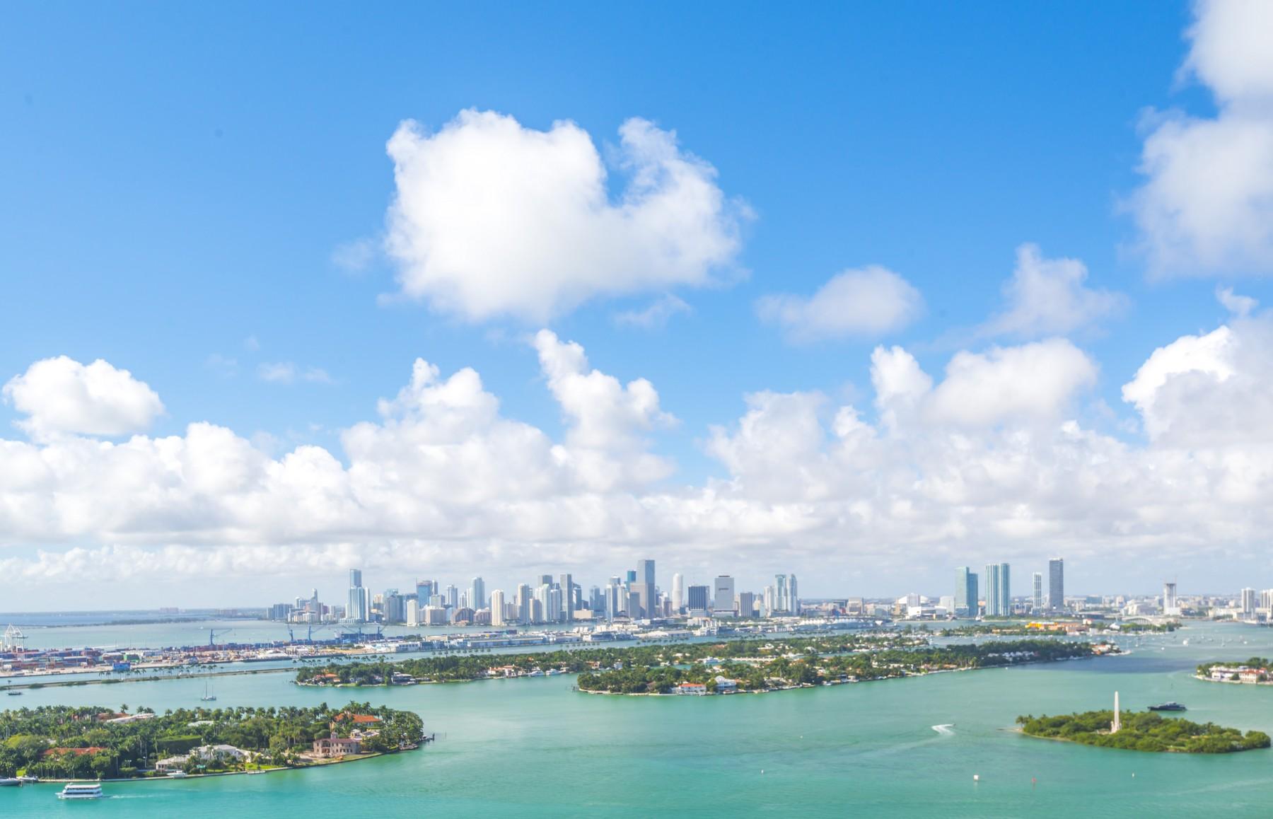 Condomínio para Venda às 1330 West Av #PH3601 Miami Beach, Florida 33139 Estados Unidos