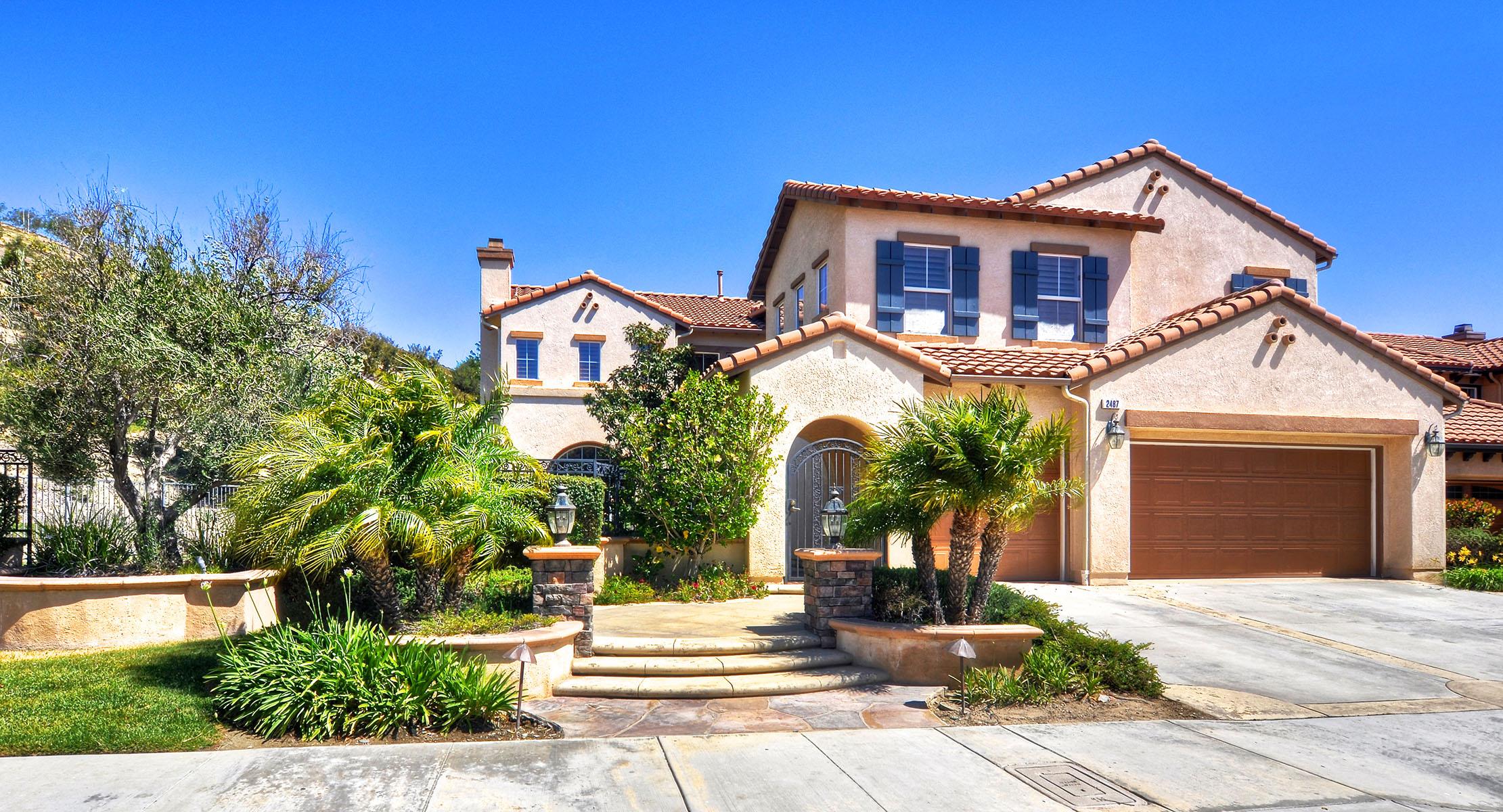 Casa Unifamiliar por un Venta en 2487 N Eaton Ct Orange, California 92867 Estados Unidos