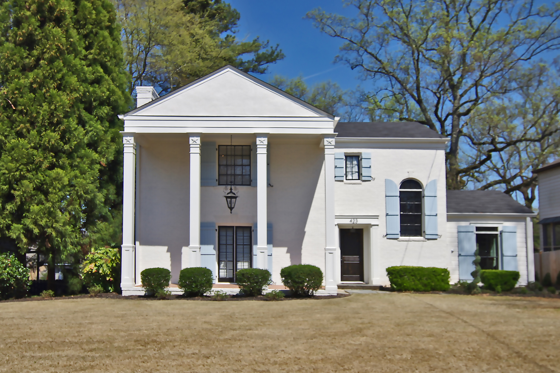 Single Family Home for Sale at Designer Two Story Brick Traditional 423 Collier Road NW Collier Hills, Atlanta, Georgia 30309 United States
